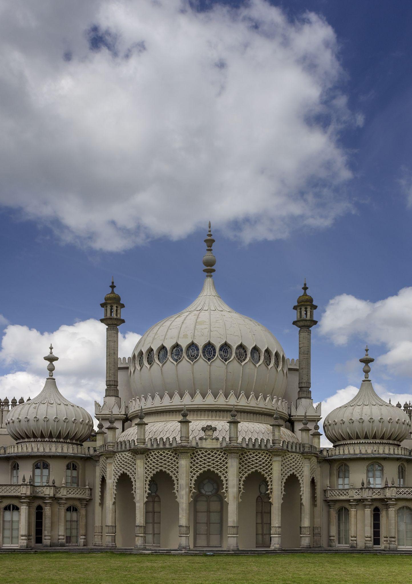 Brighton Pavillion  by tonyrabina