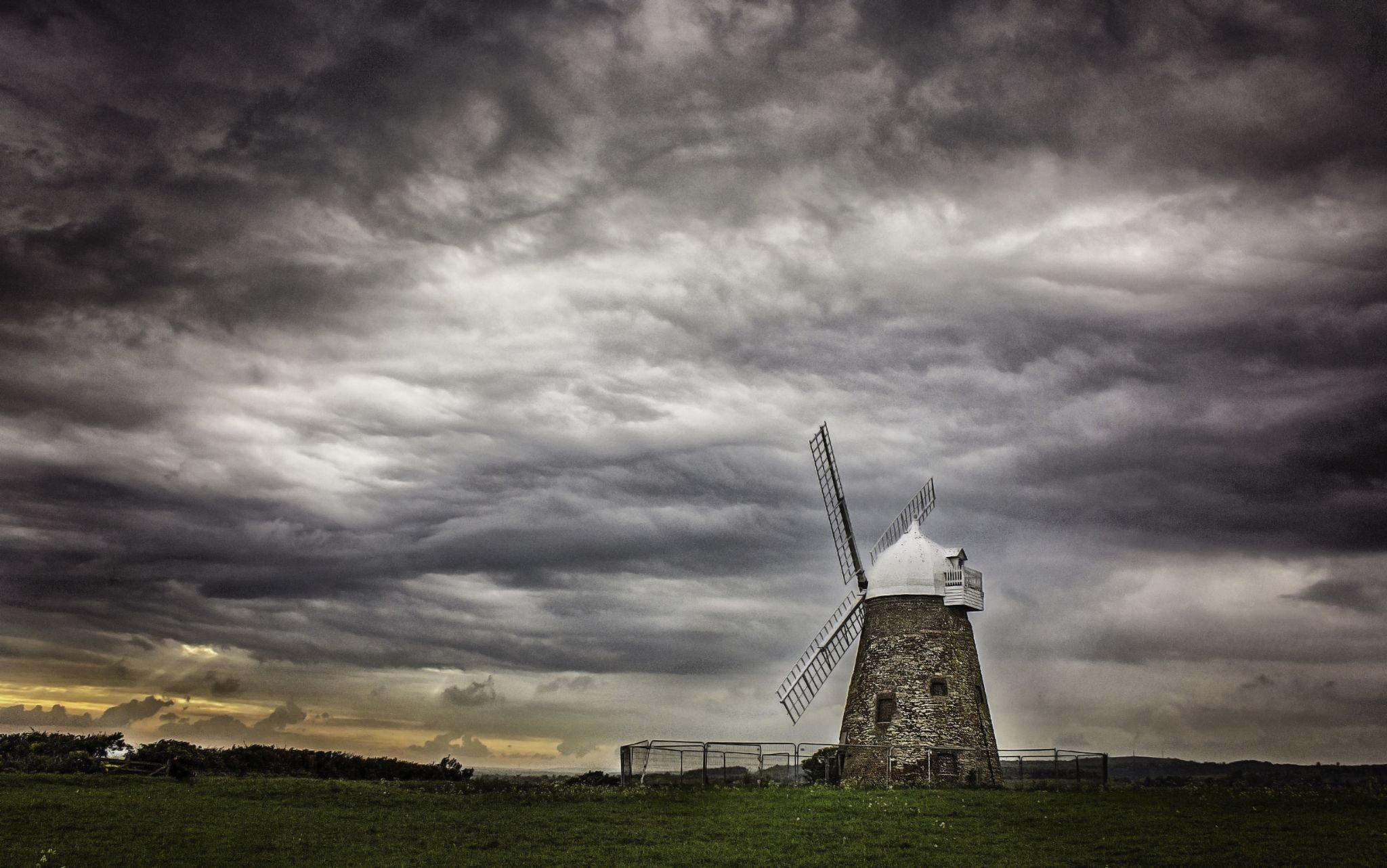 Halnaker Windmill by tonyrabina