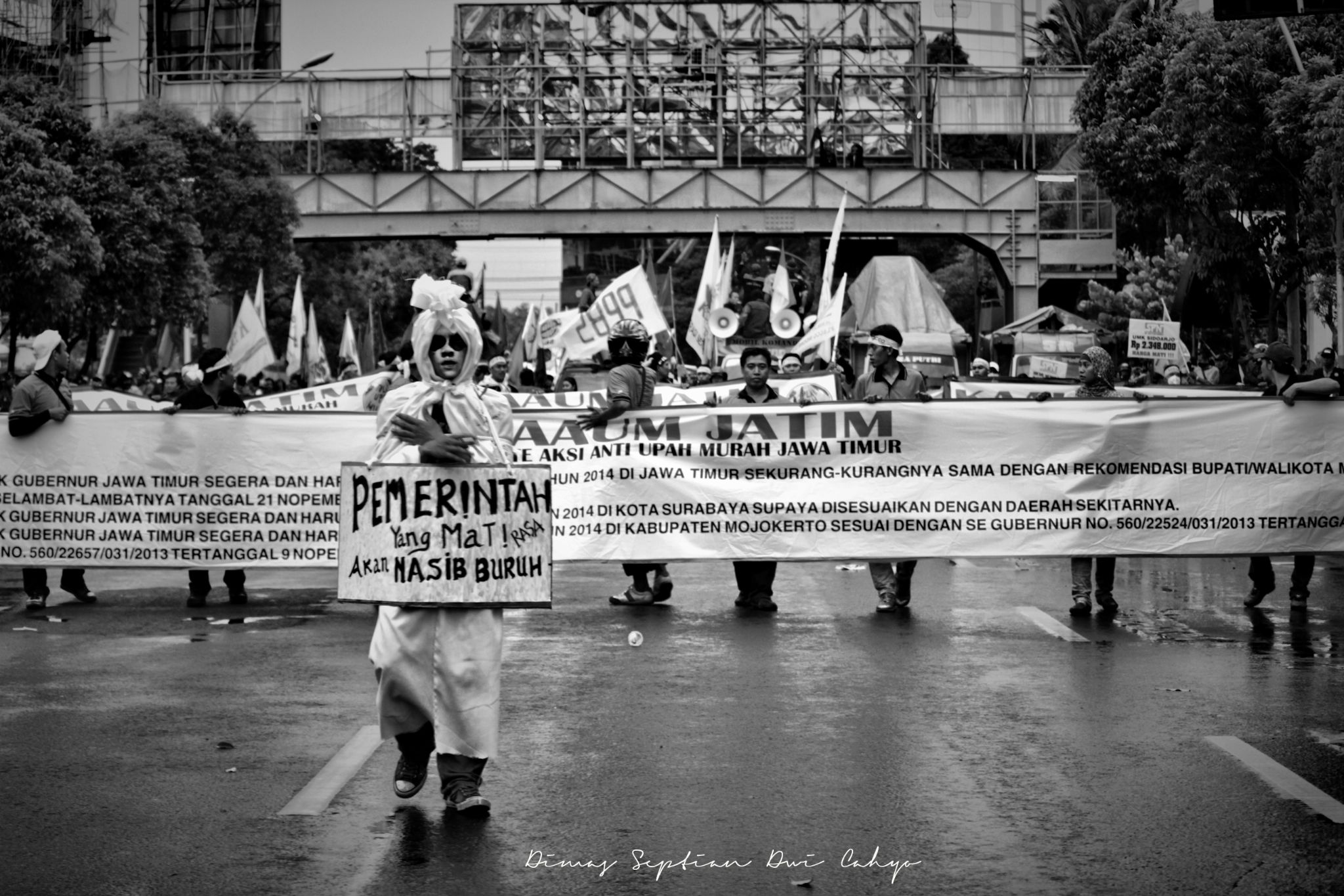 Demonstration of workers by dimas gondol