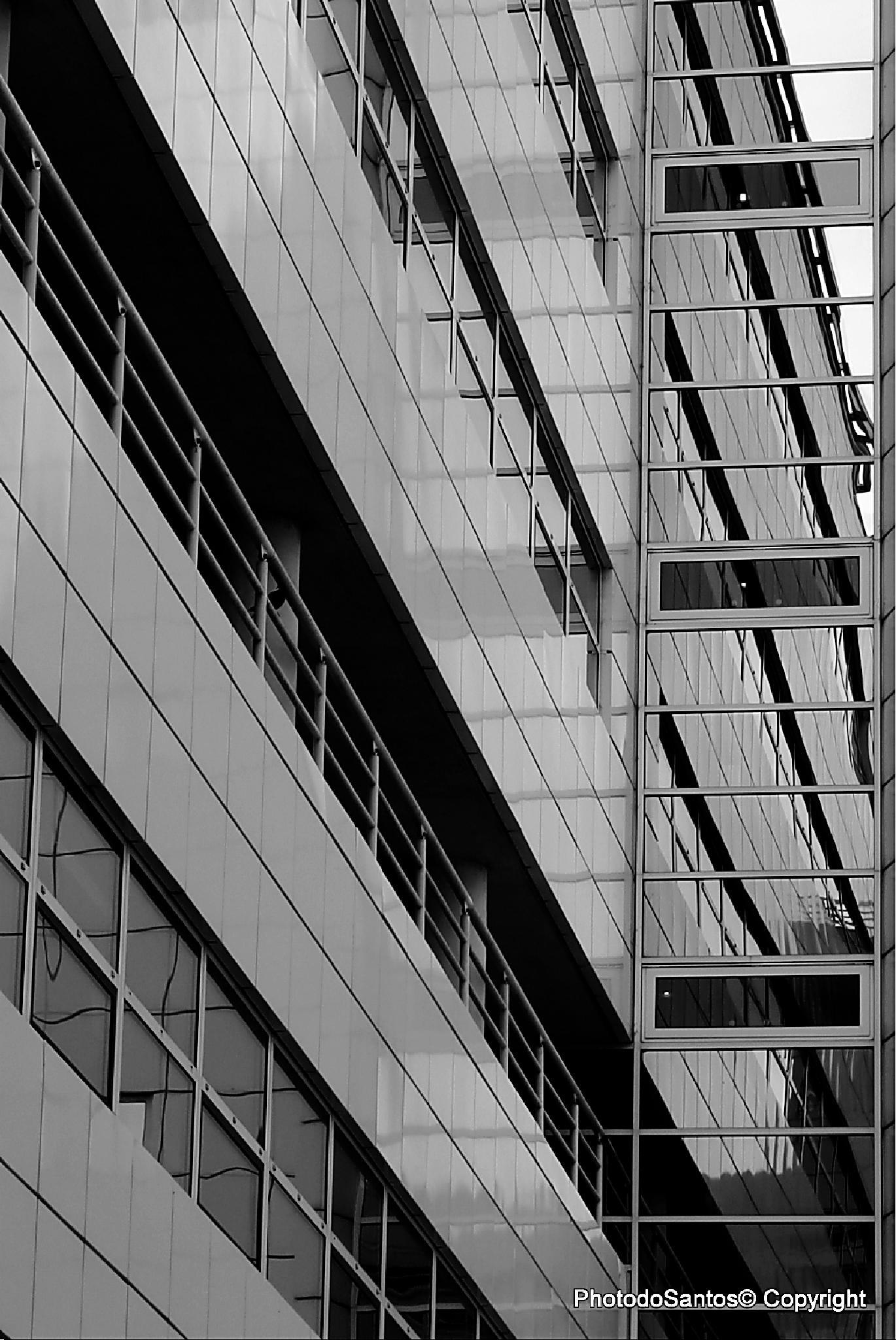 B&W Reflections by Ricardo Santos