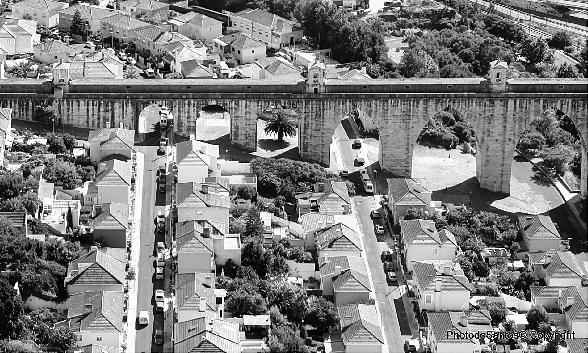 Photo in Architecture #photodosantos© copyright #aqueduto #lisbon #architecture #b&w #water #city #portugal