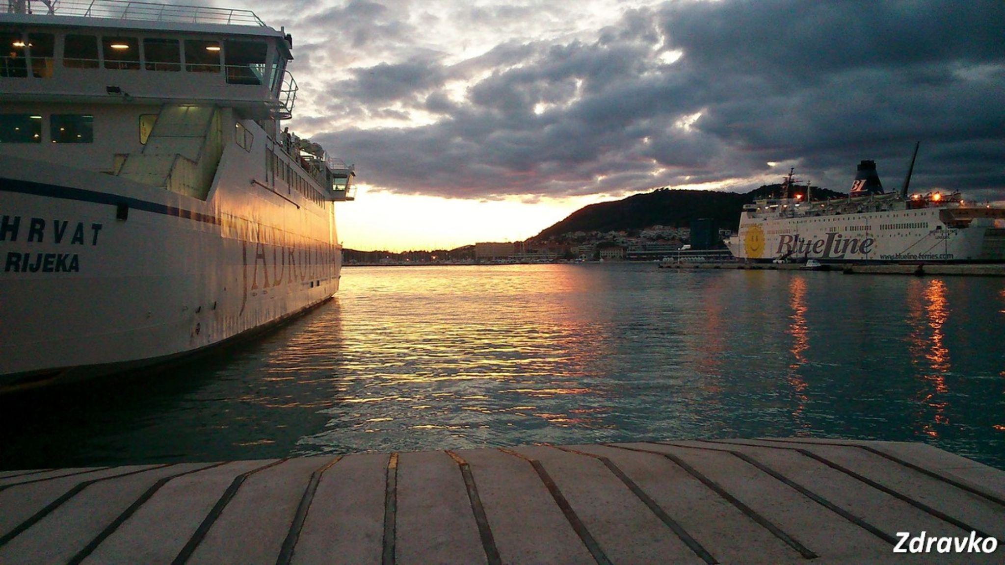 Sunset. The ferry port of Split, Croatia. by ZdravkoRadovnikovic