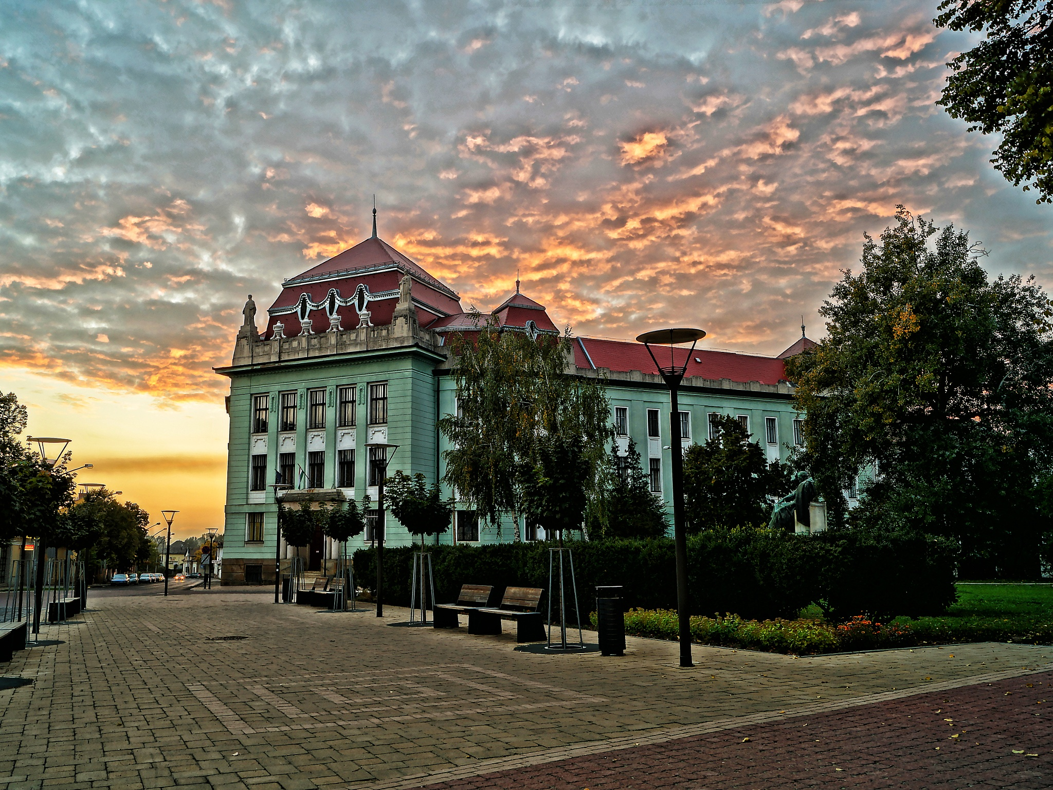 Court of justice & sunset by Sevoir