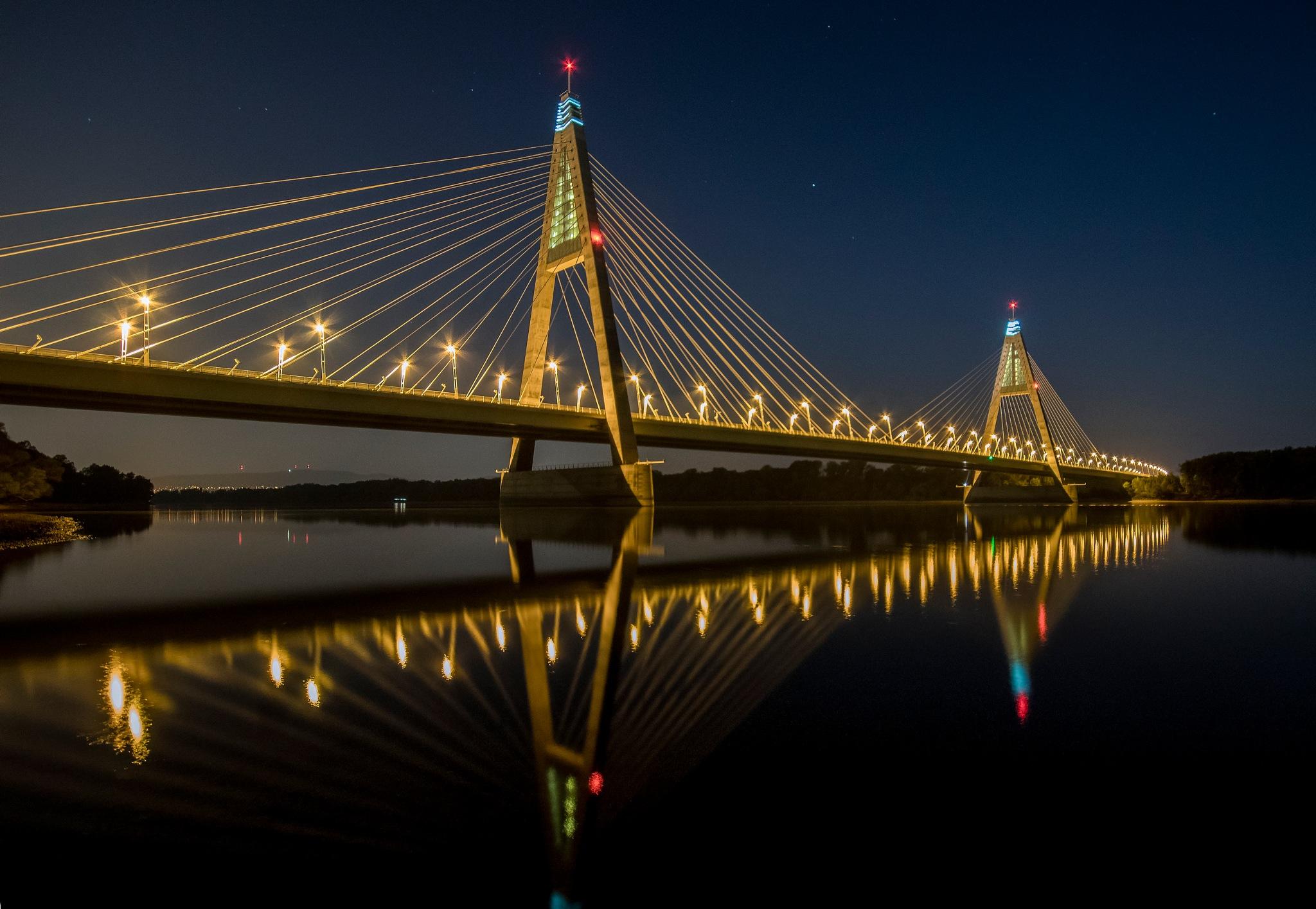 Megyeri bridge by Sevoir
