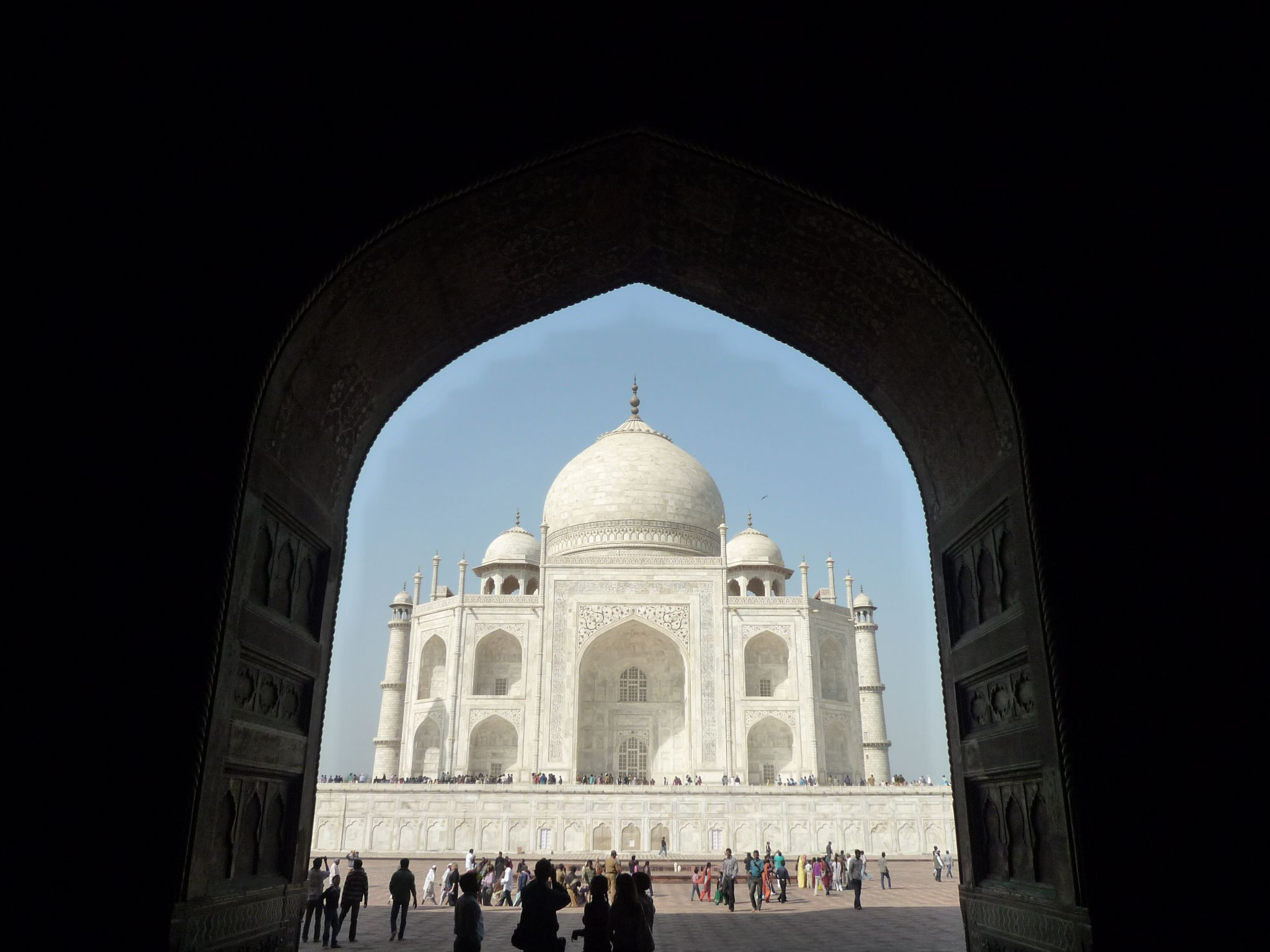 A beautiful view og the Taj Mahal, one of the 7 world wonders! by Get Out Photography