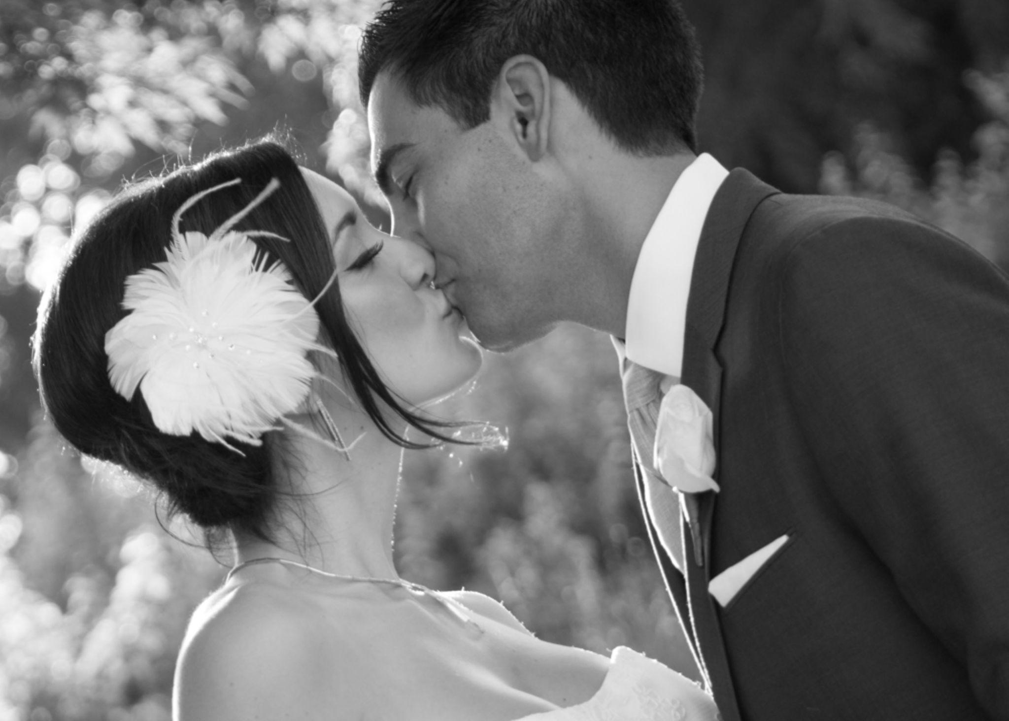 Lover's Kiss by SweetJoJoPhotography