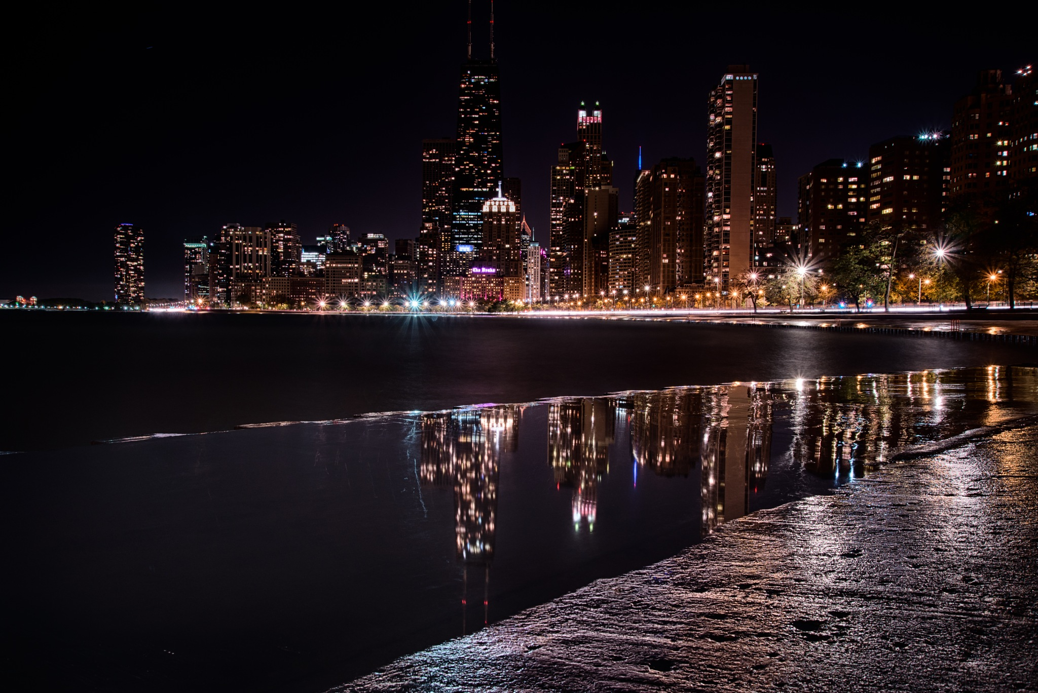 Glassy City Reflections by Raf Winterpacht