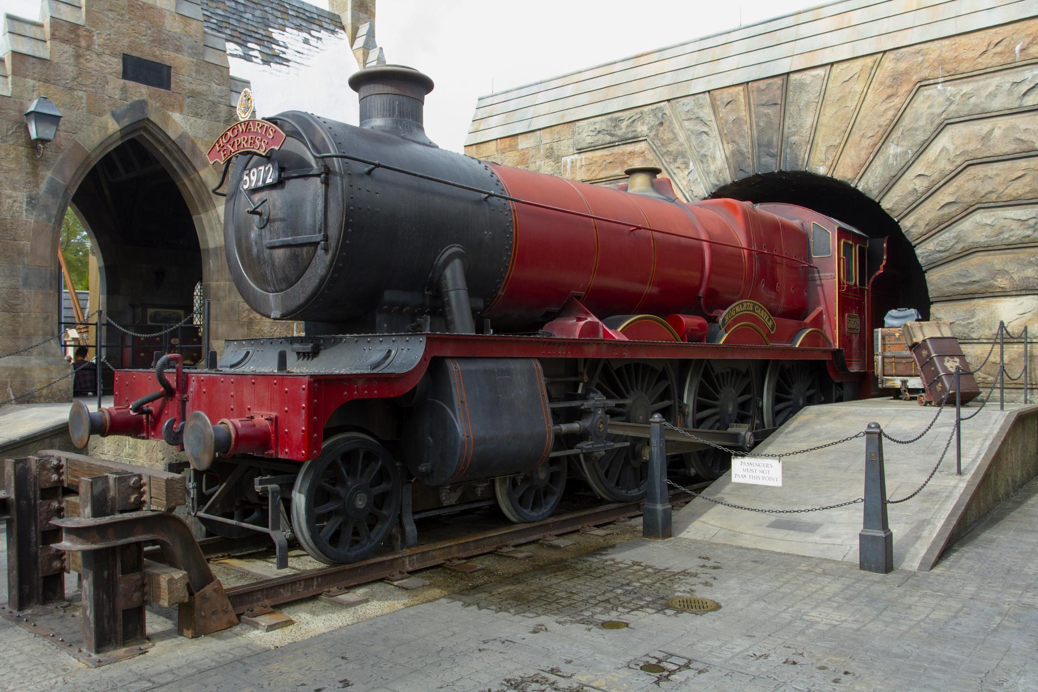 Hogwarts Express by Joe Chrvala