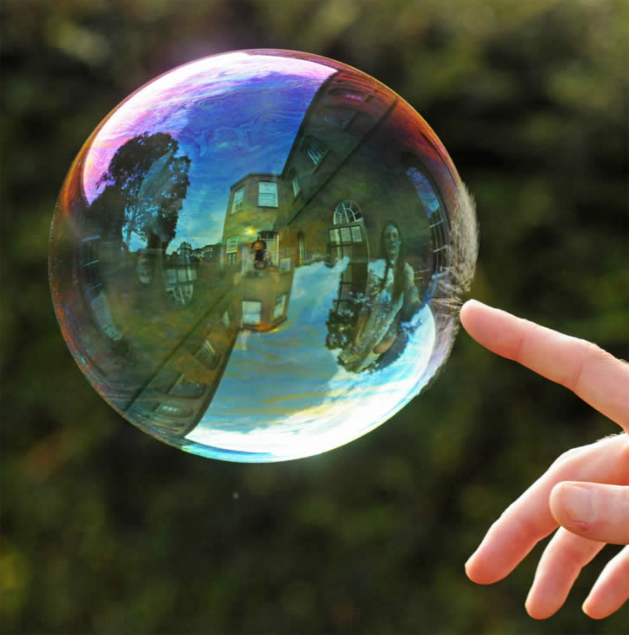 309272,xcitefun-amazing-photography-reflection-of-bubble by vkas