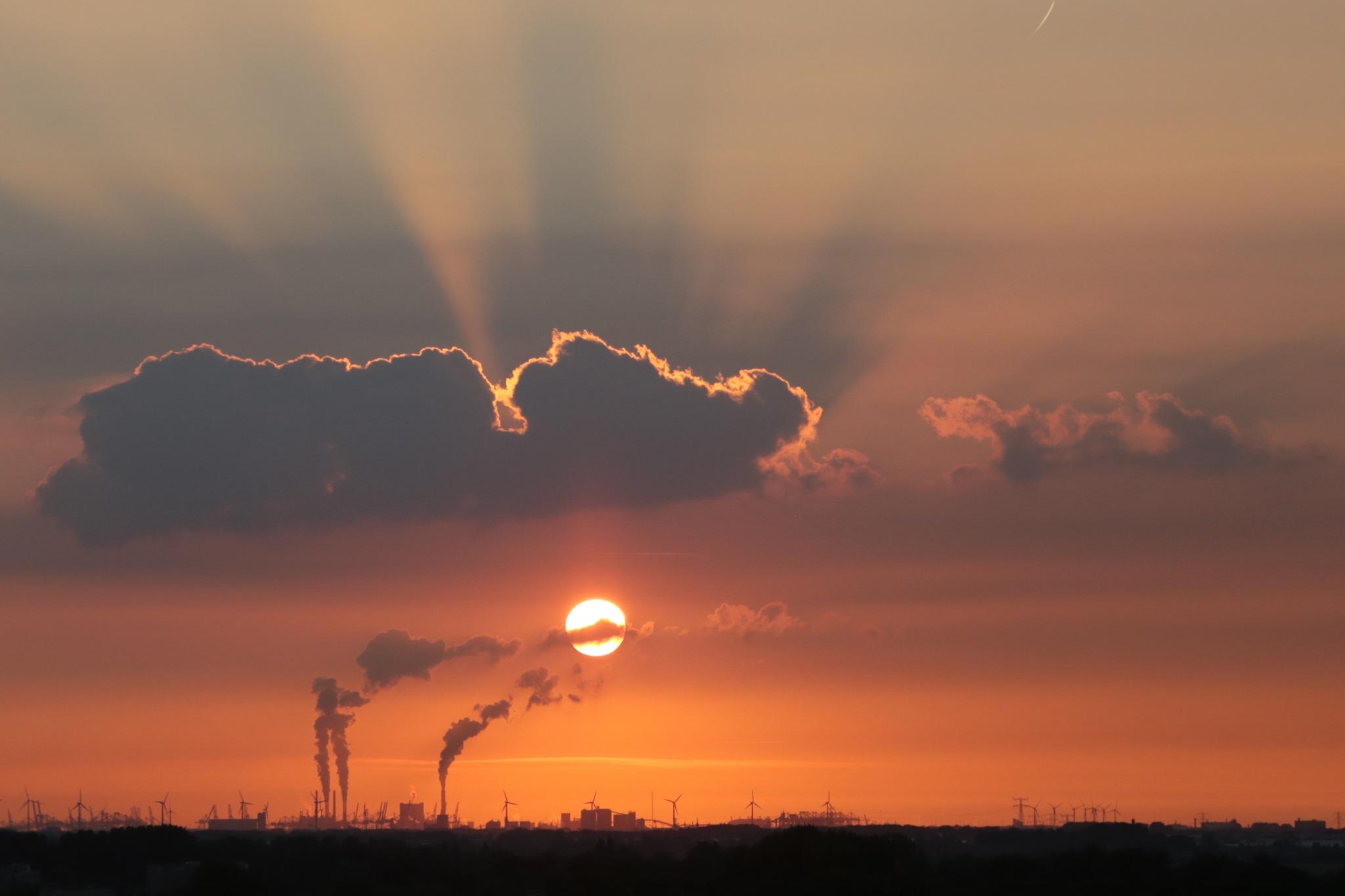 sunset by ambentum