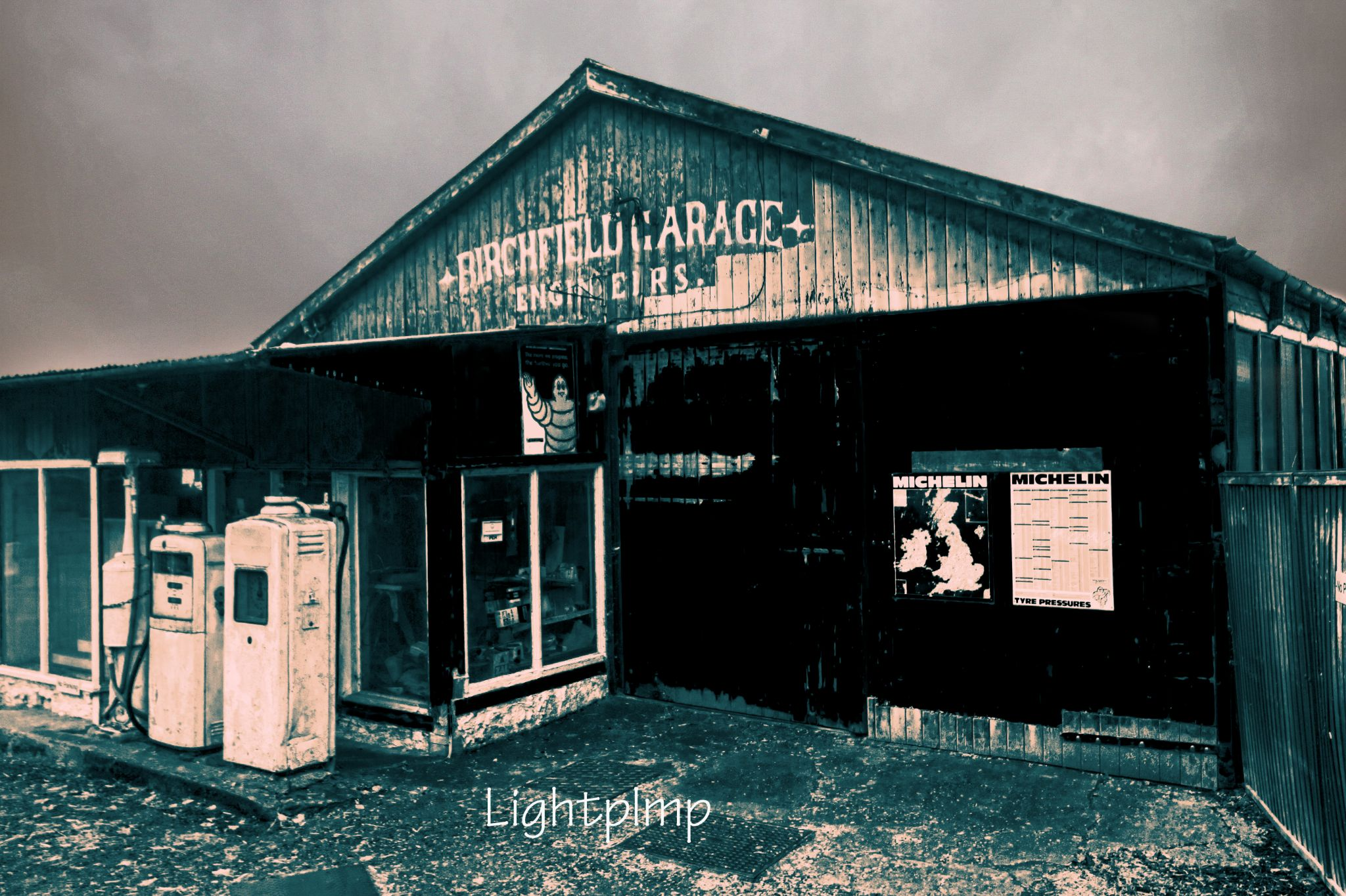 Road Side Garage  by Lightpimp - akadodjer