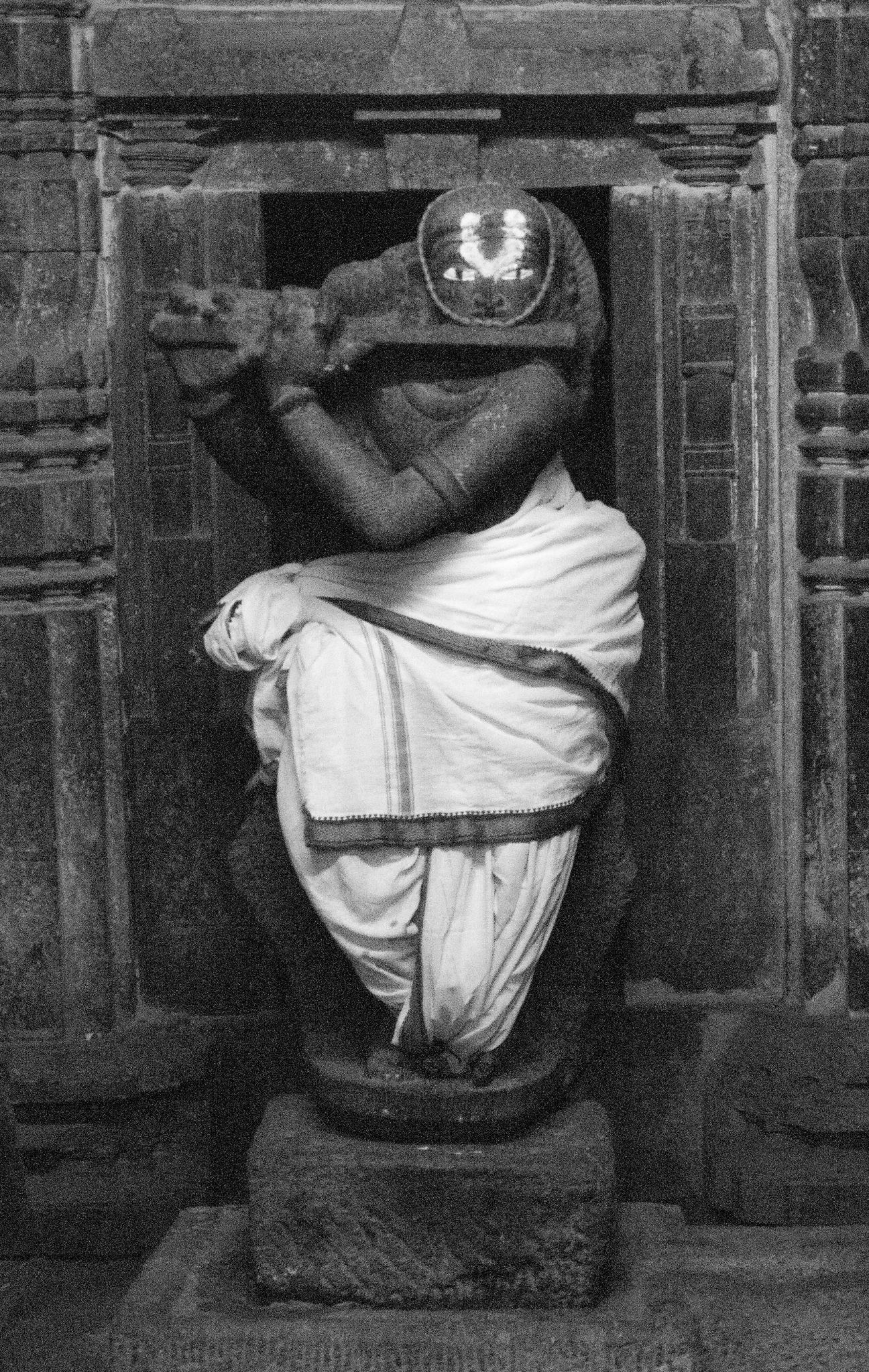 Krishna at Belur Temple by prashanth r