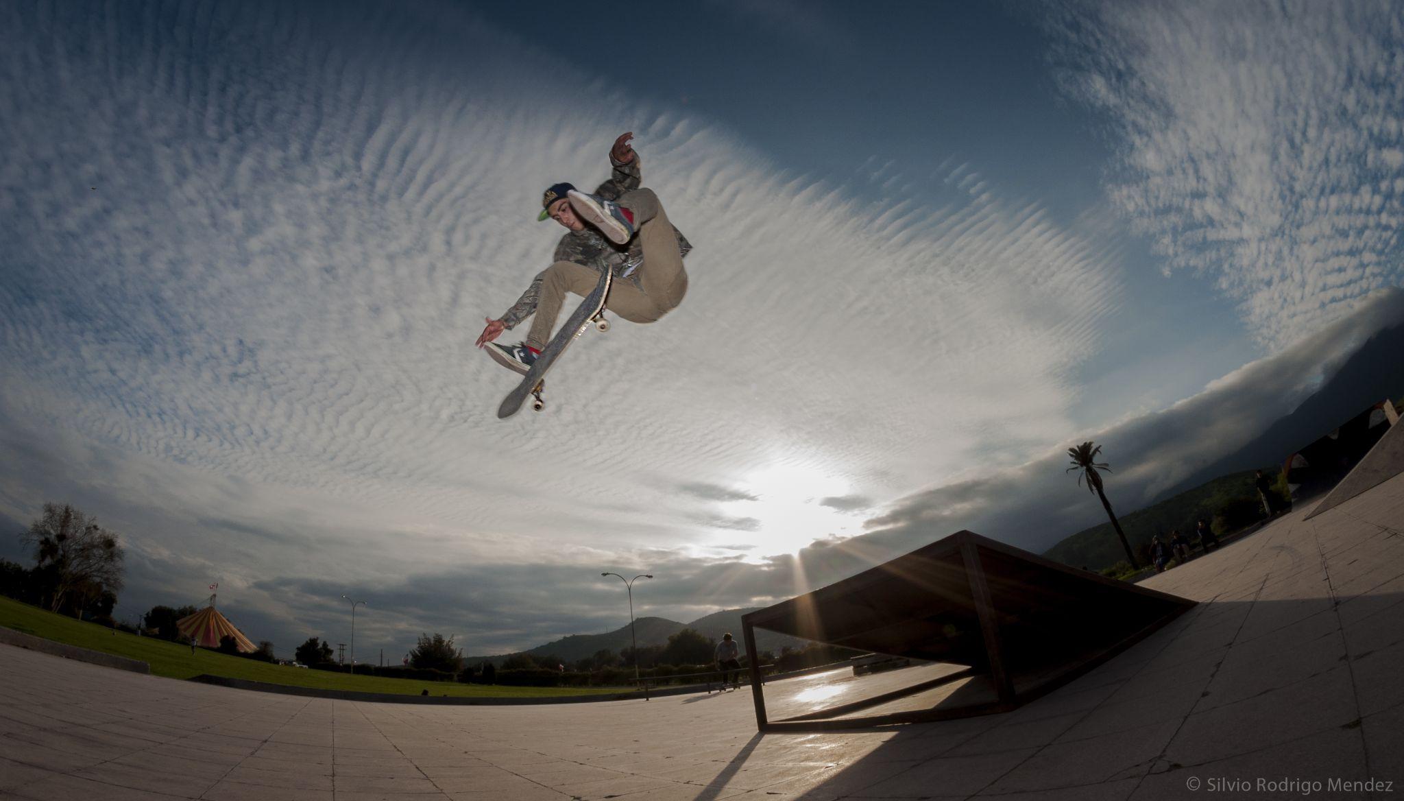 Rafael Galaz - Kickflip frontside - Quillota, Chile by Silvio Rodrigo Mendez