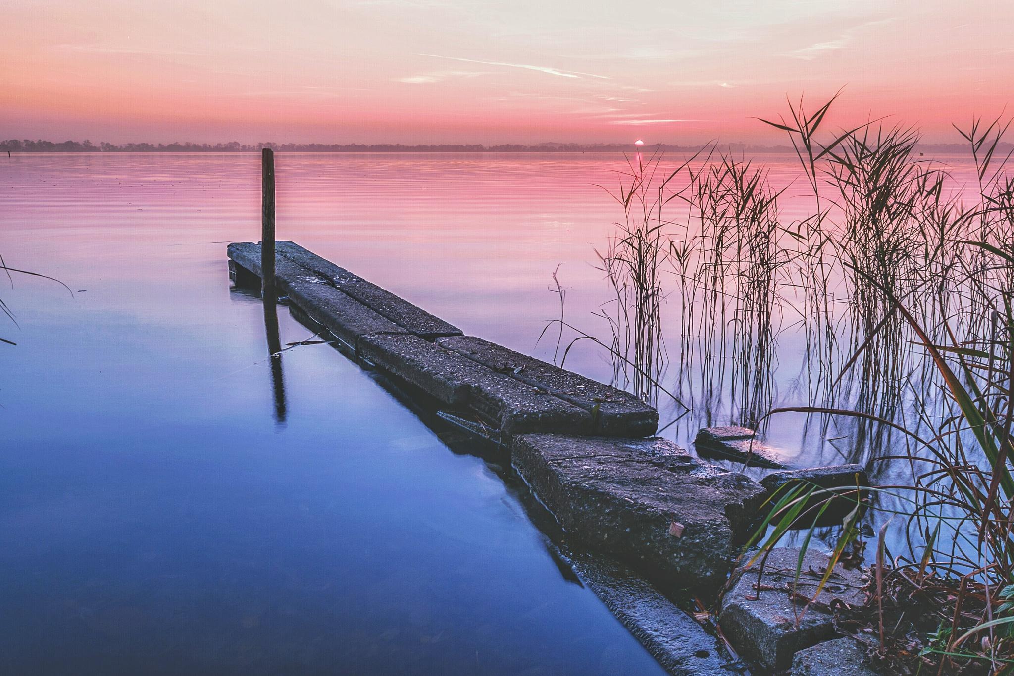 Colorful Sunset by joostlagerweij
