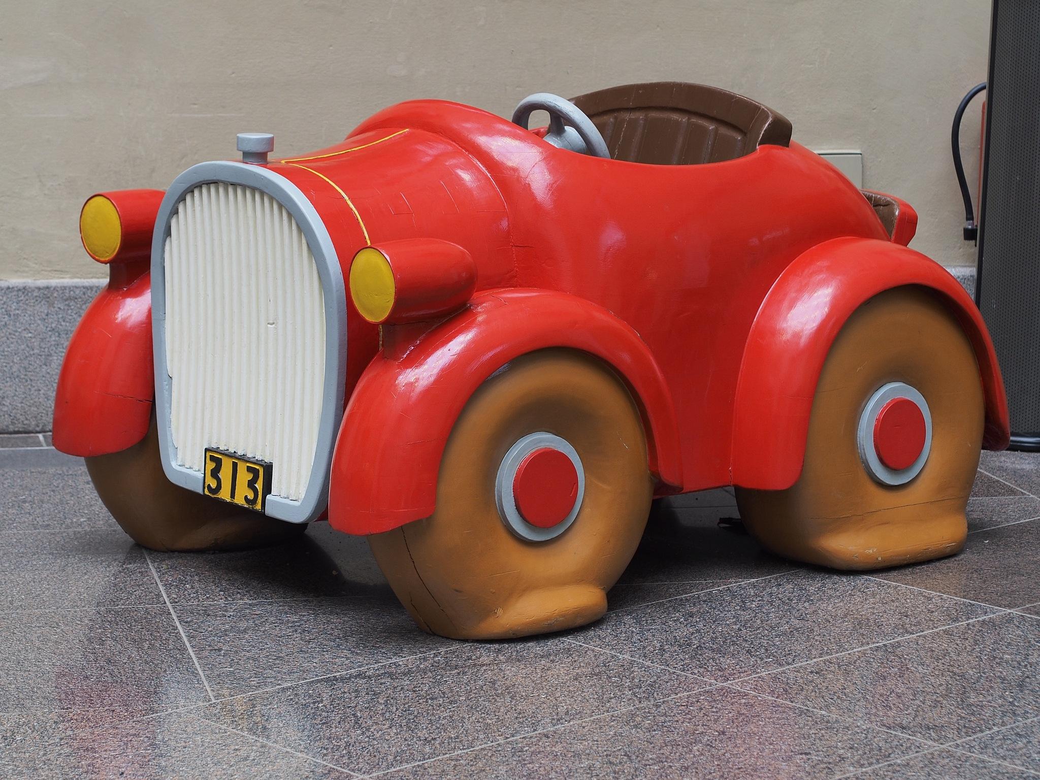 Donald Duck`s car. Ateneum-Bar. Helsinki. by Petri Mustonen