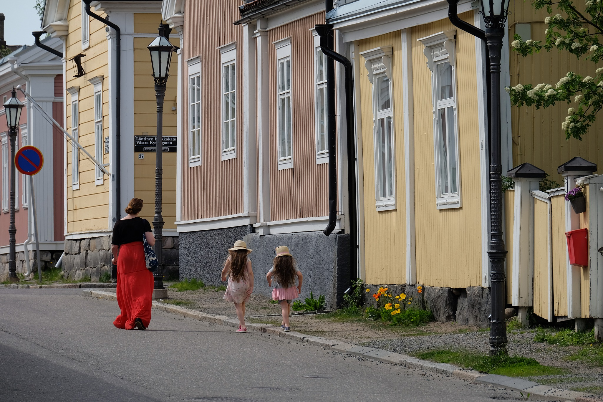 walk the line by Petri Mustonen