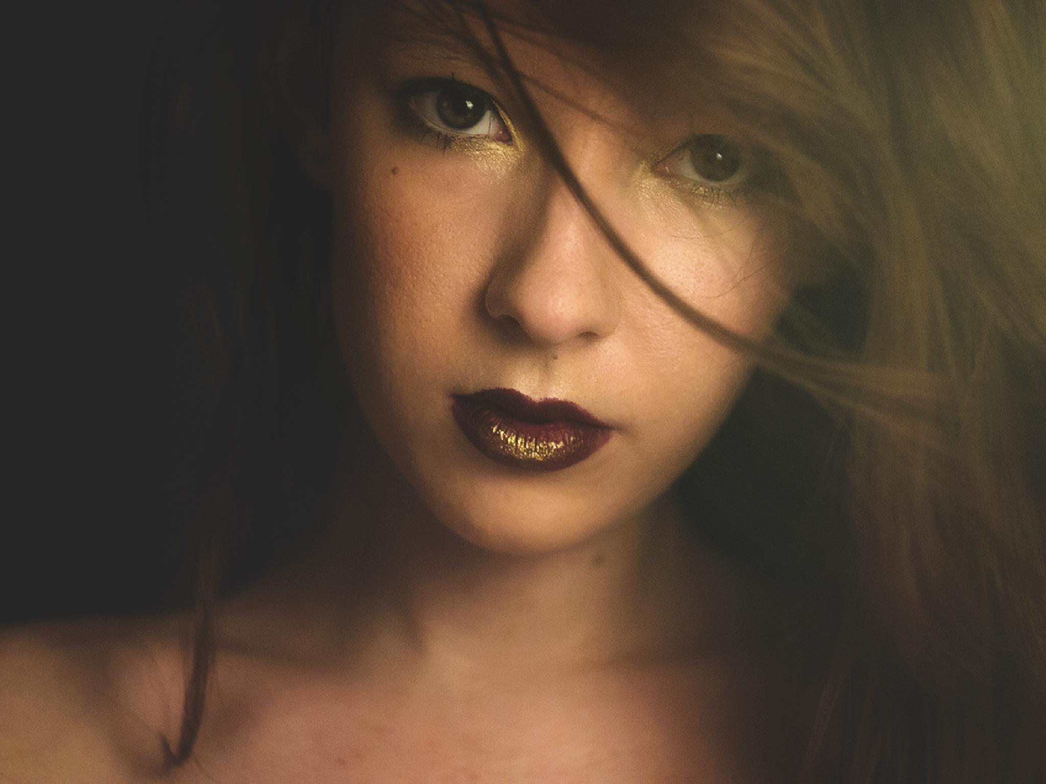 Lit up eyes by Josipa M.