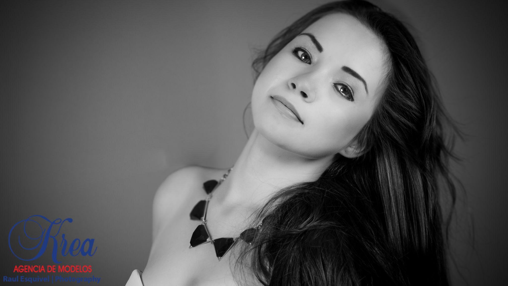 Jennifer Sanchez by Raul Esquivel Photography