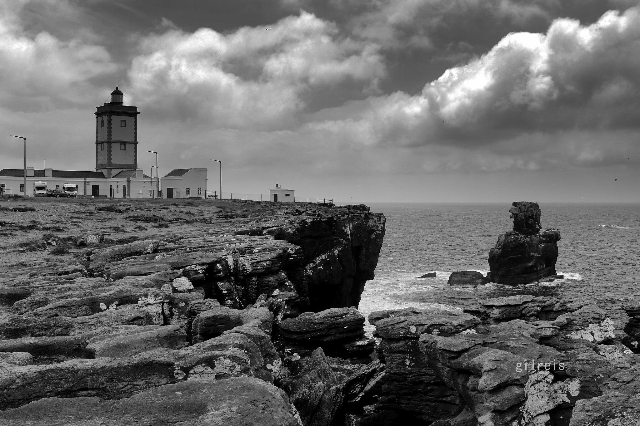Carvoeiro Cape by GilReis