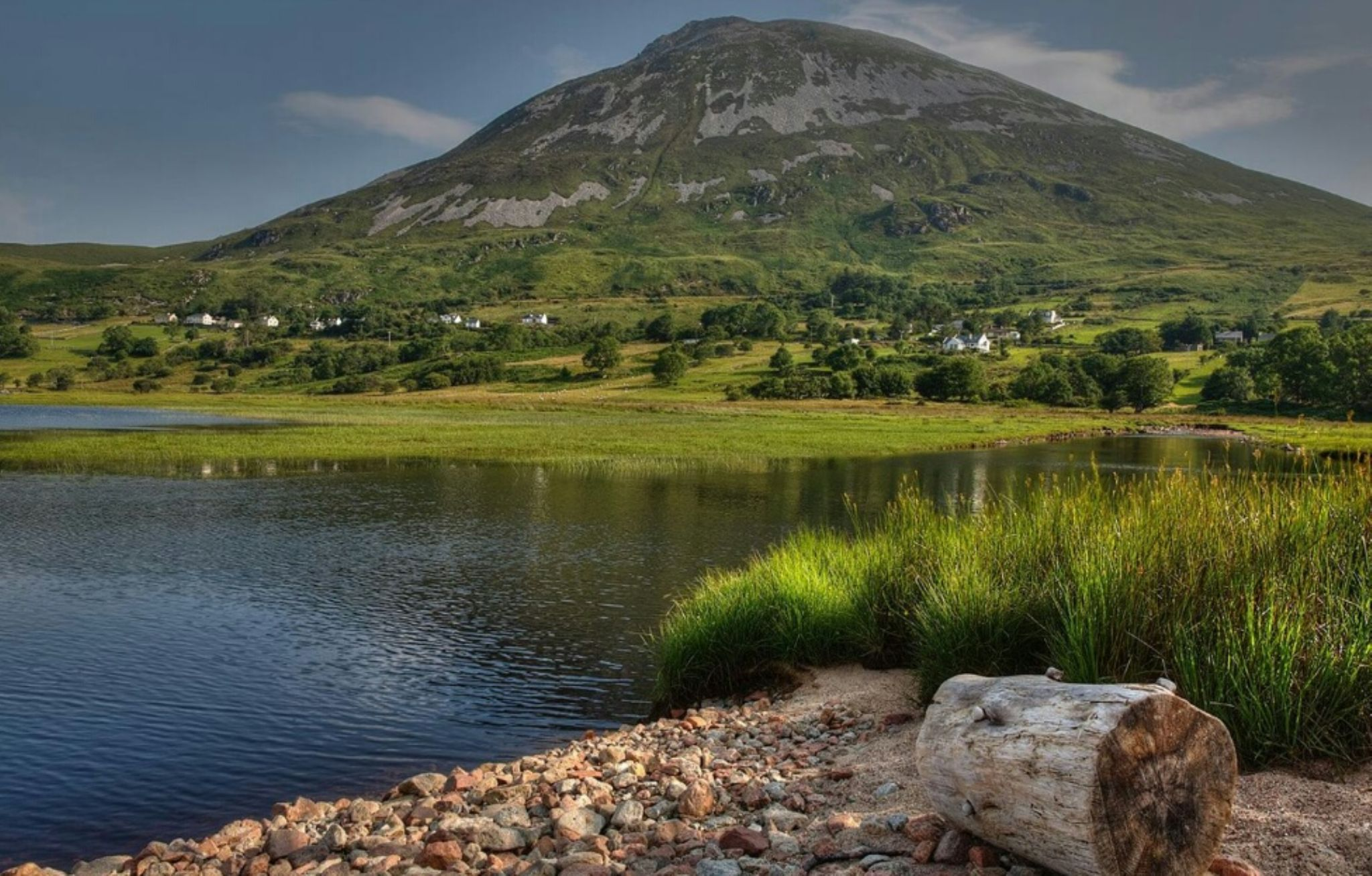 mount errigal  by BALRATH PHOTOGRAPHY