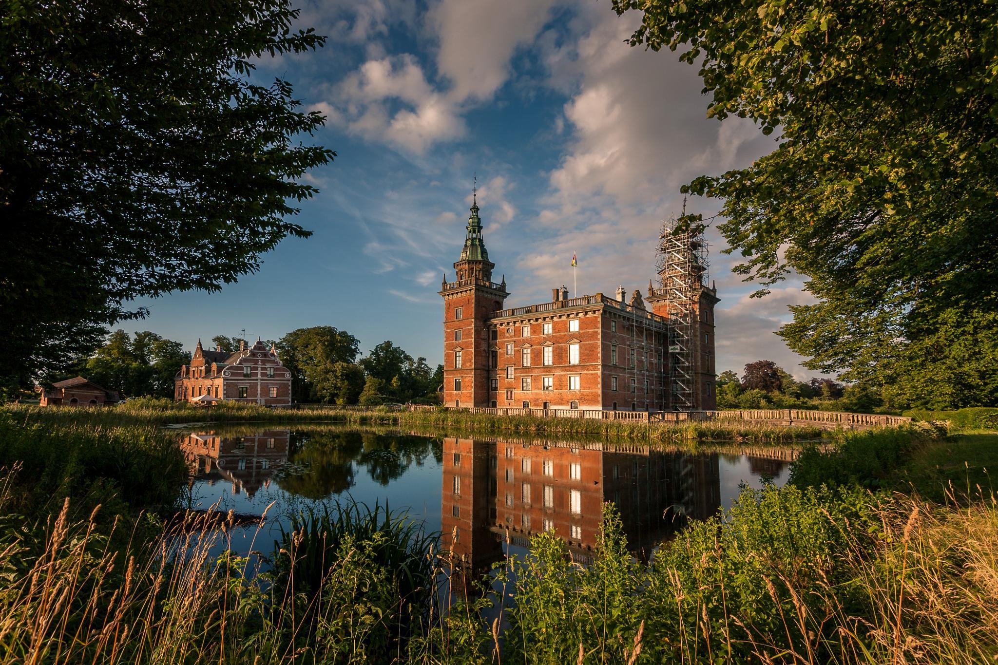 Marsvinsholms Castle by Mirza Buljusmic