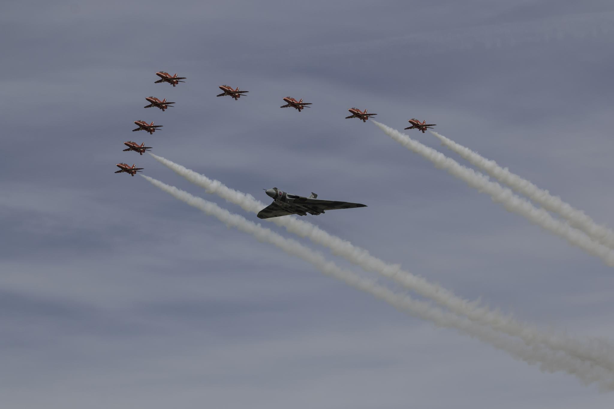 RAF Red Arrows & Vulcan XH558 by Gareth Sawbridge