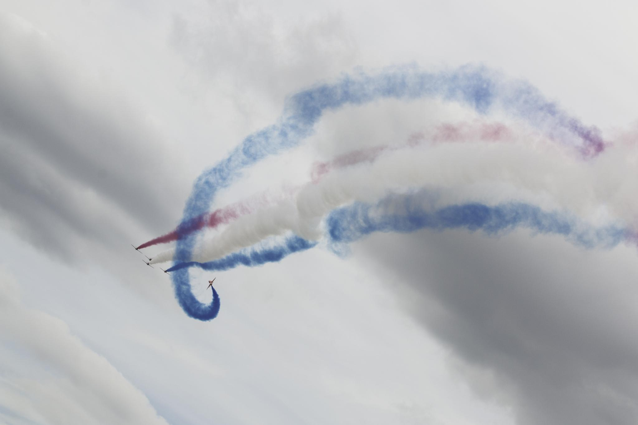 Red Arrows by Gareth Sawbridge