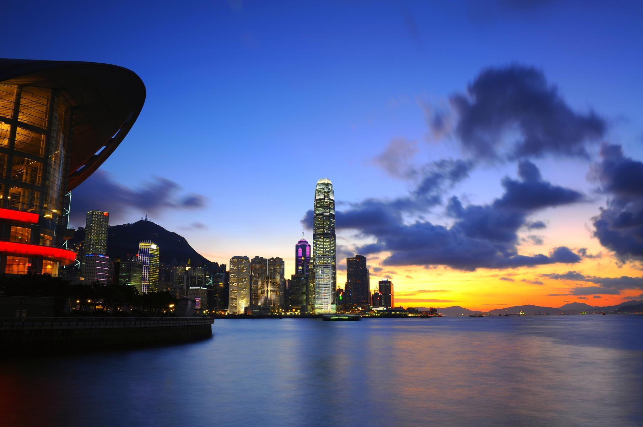 Hong Kong Magic by leka huie
