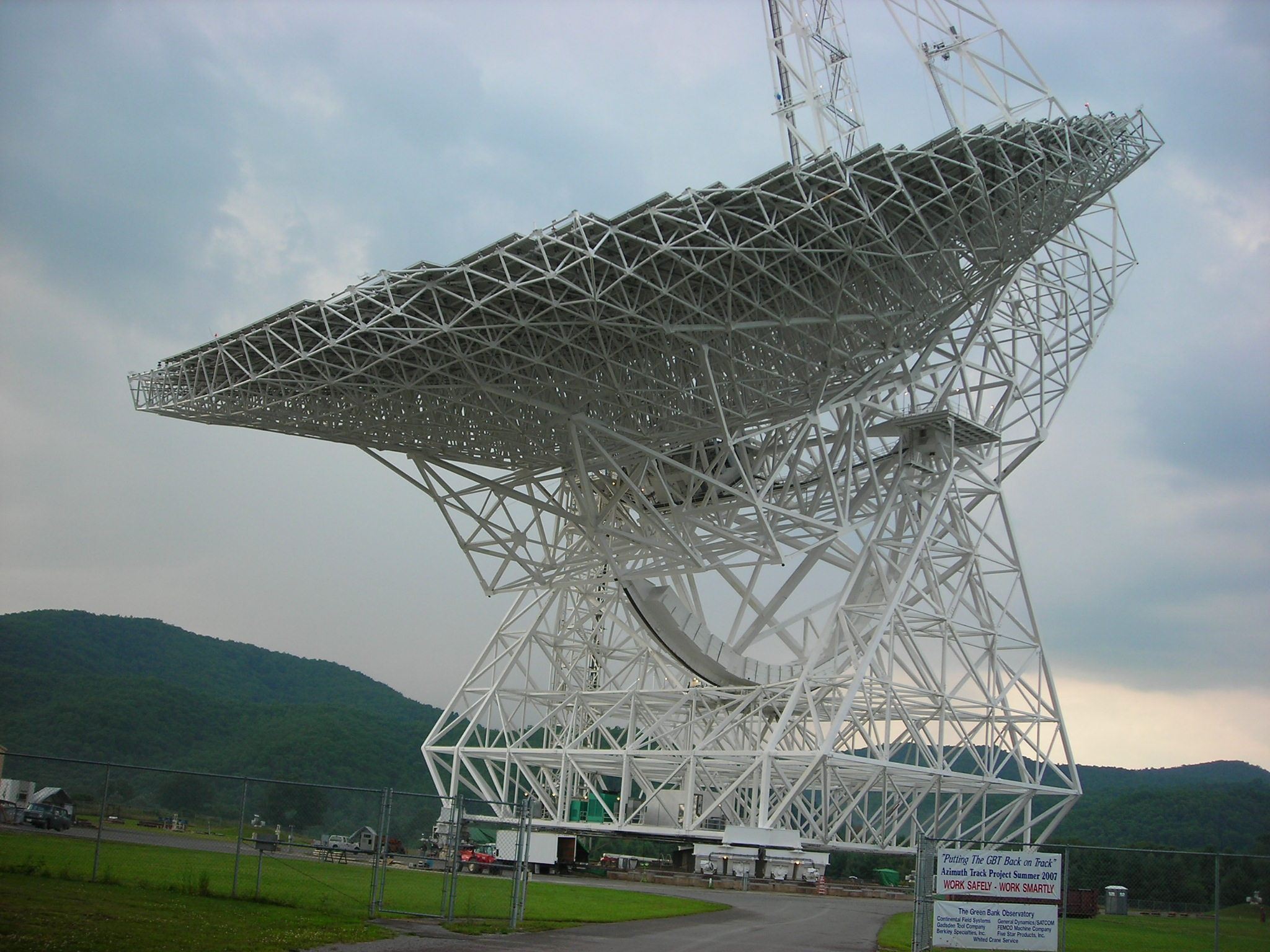 Green Bank Telescope by Darlene Pavek