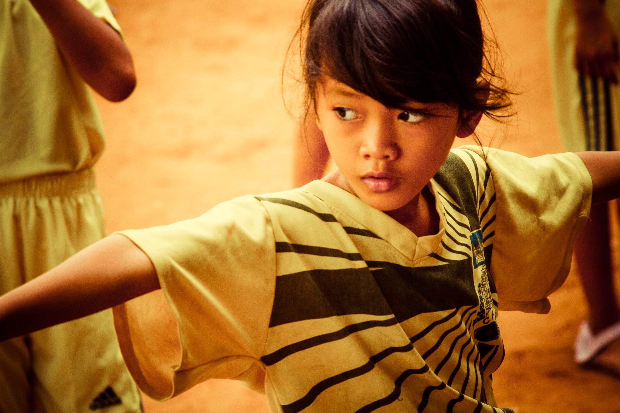 カンボジアの肖像2A by wwfax photography