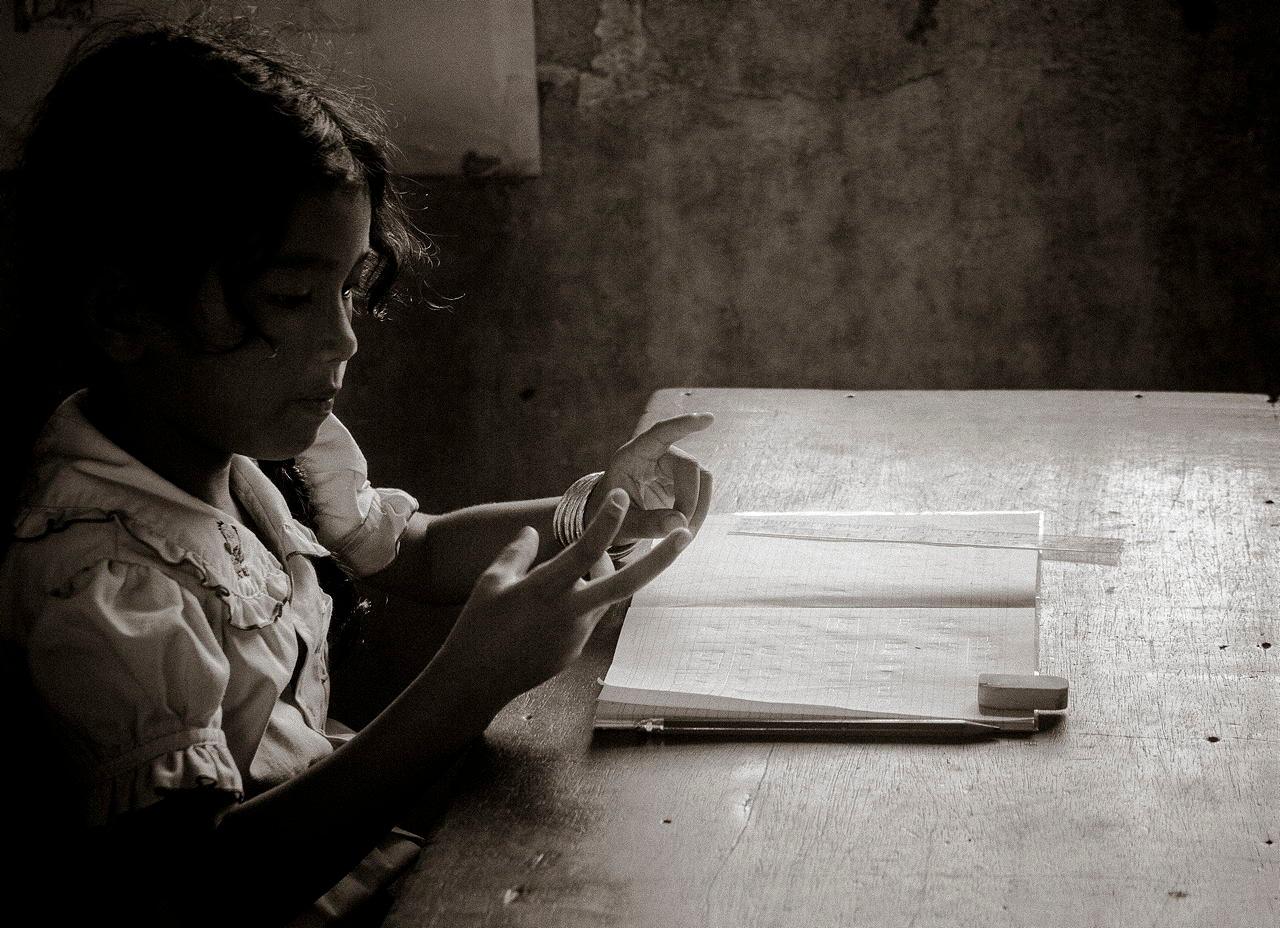 カンボジアの肖像201070502B by wwfax photography