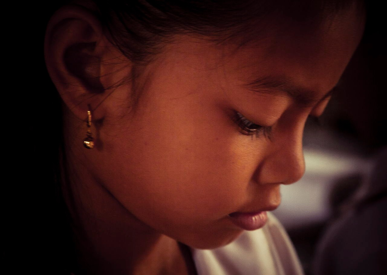A Portrait for Cambodian Firstgraders by wwfax photography