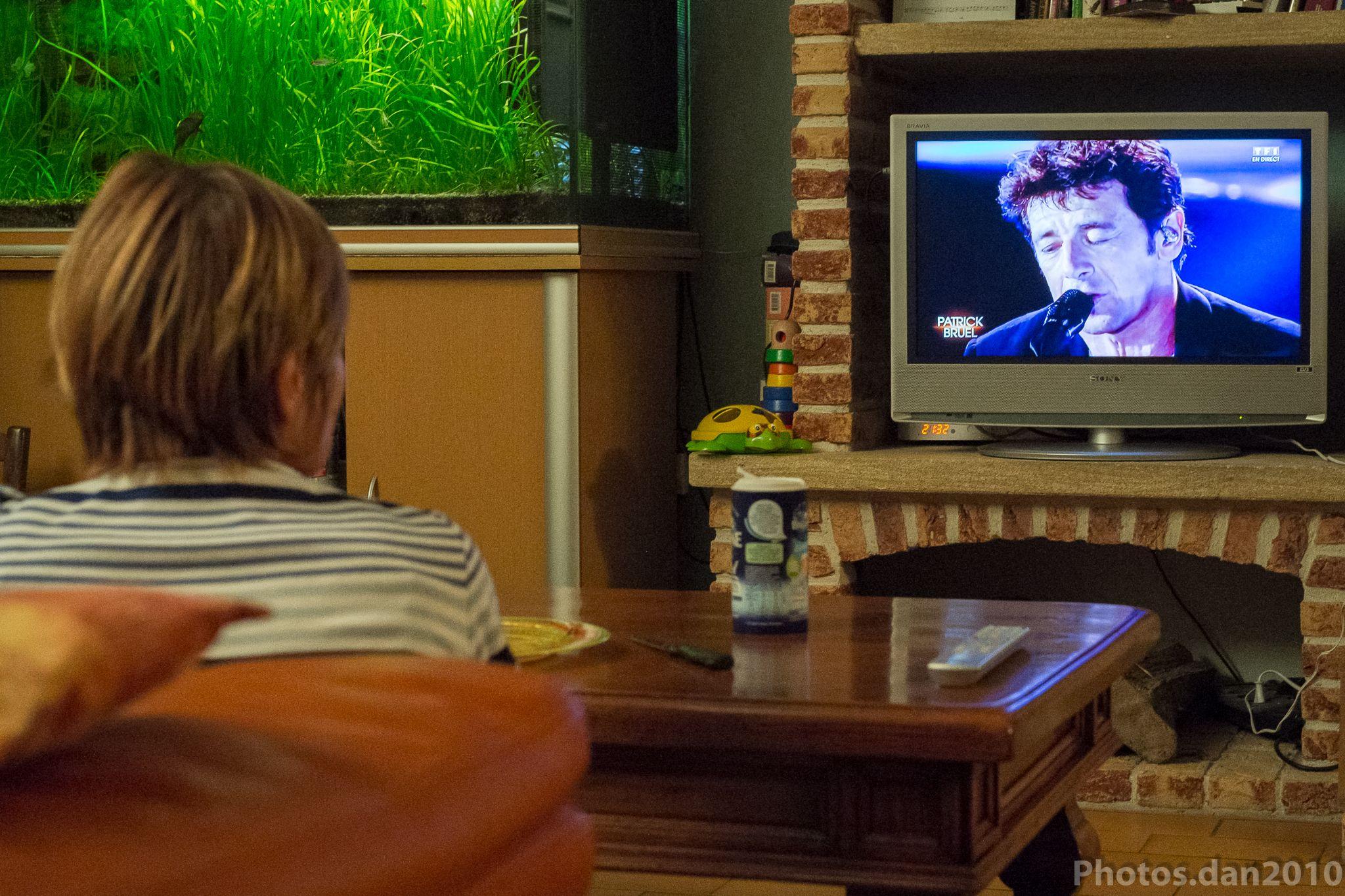 Patrick!!!!!!! comme beaucoup de monde  devant le petit écran.. by photosdan