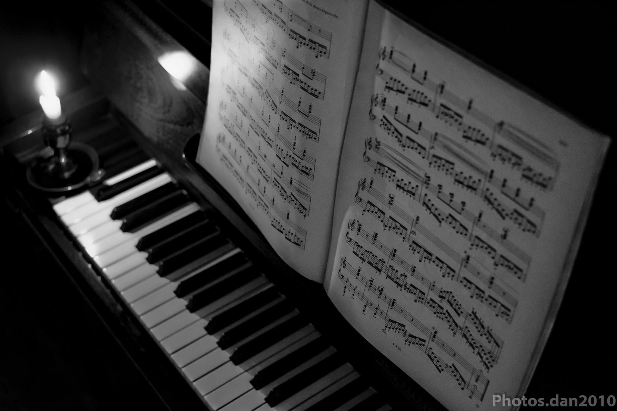 La partition sur le Piano... by photosdan