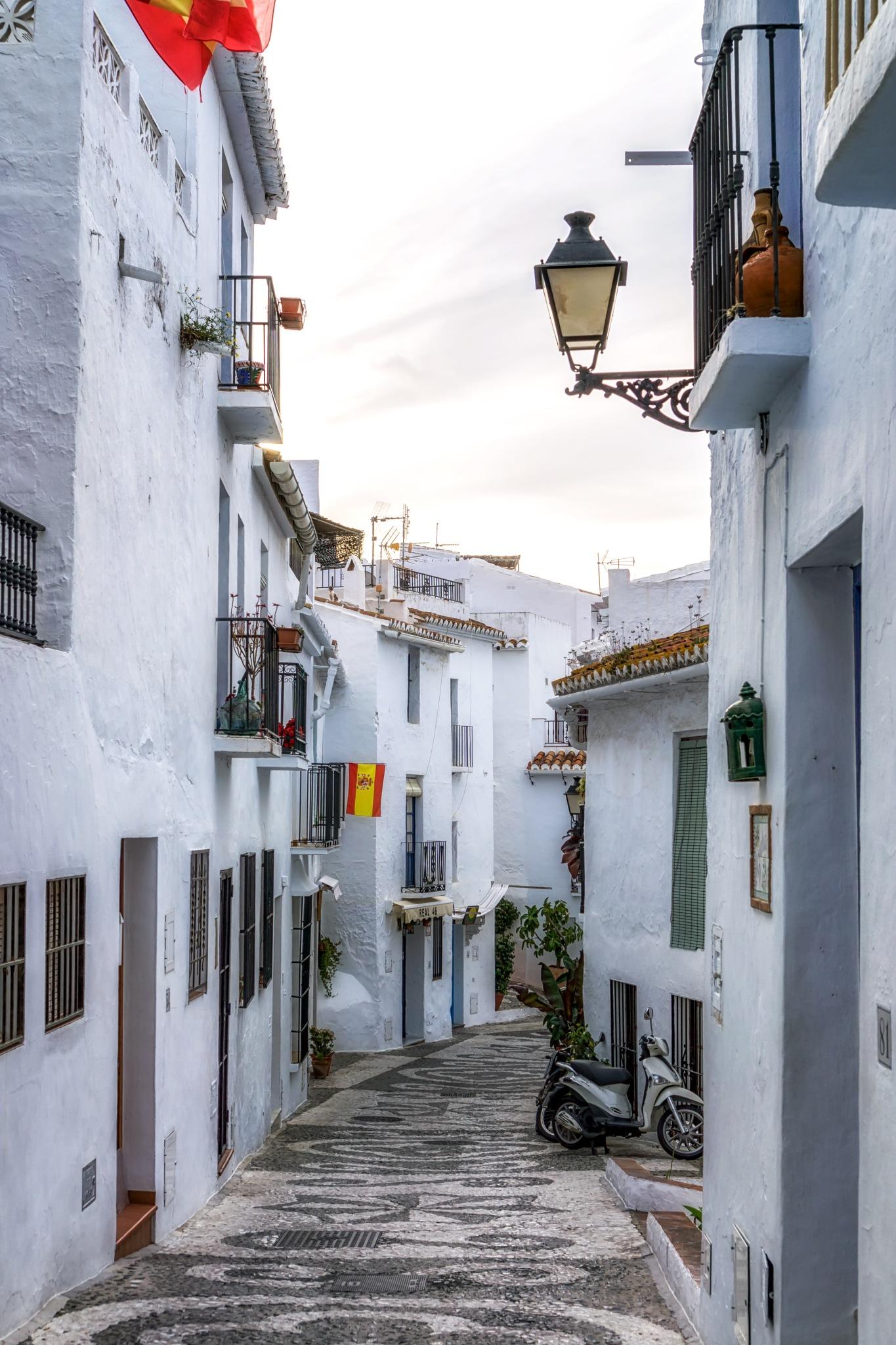Alleyways of Frigiliana by Aaron Choi