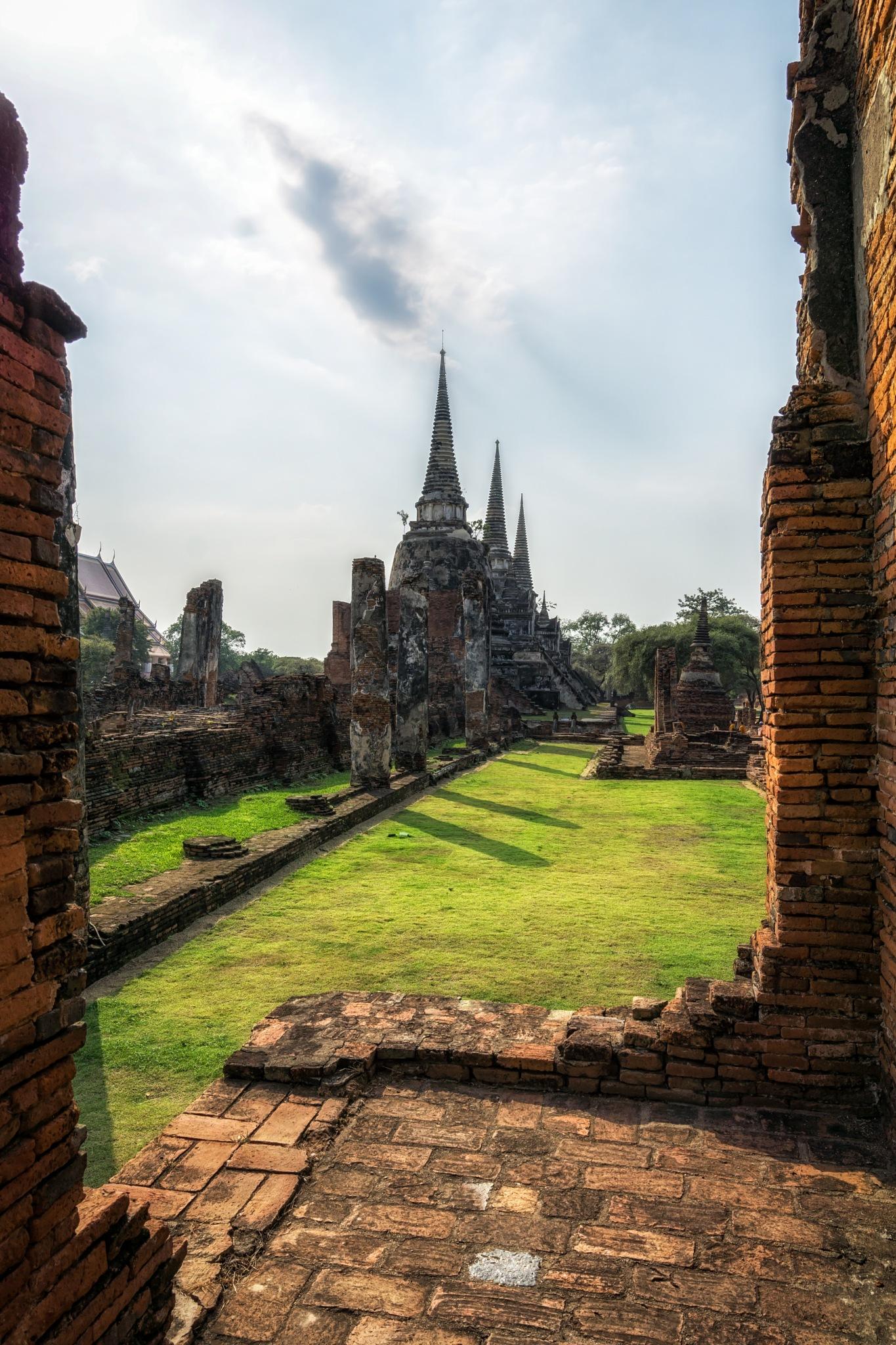 Wat Phra Si Sanphet by Aaron Choi