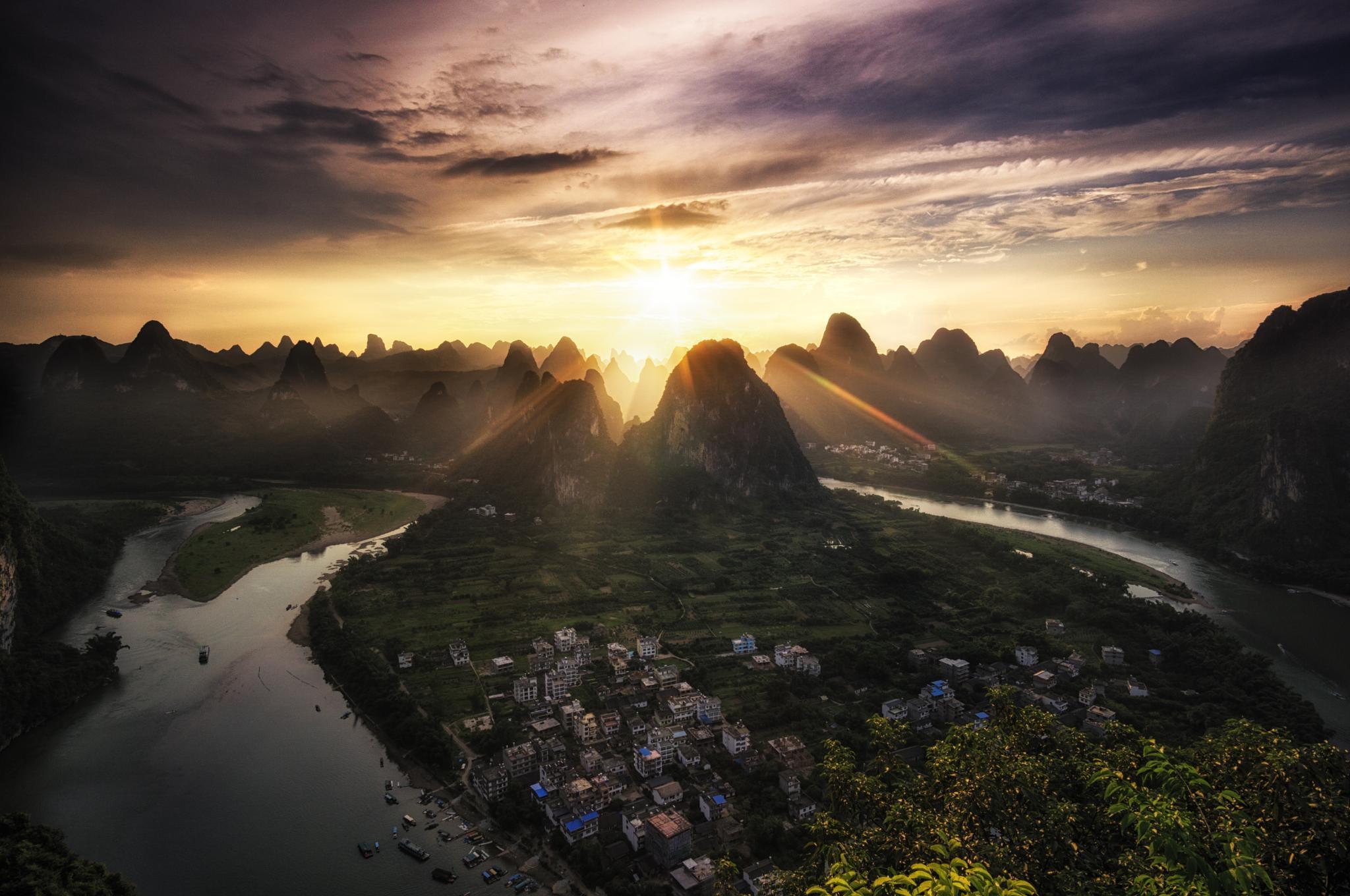 Laozhai Sunset by Aaron Choi