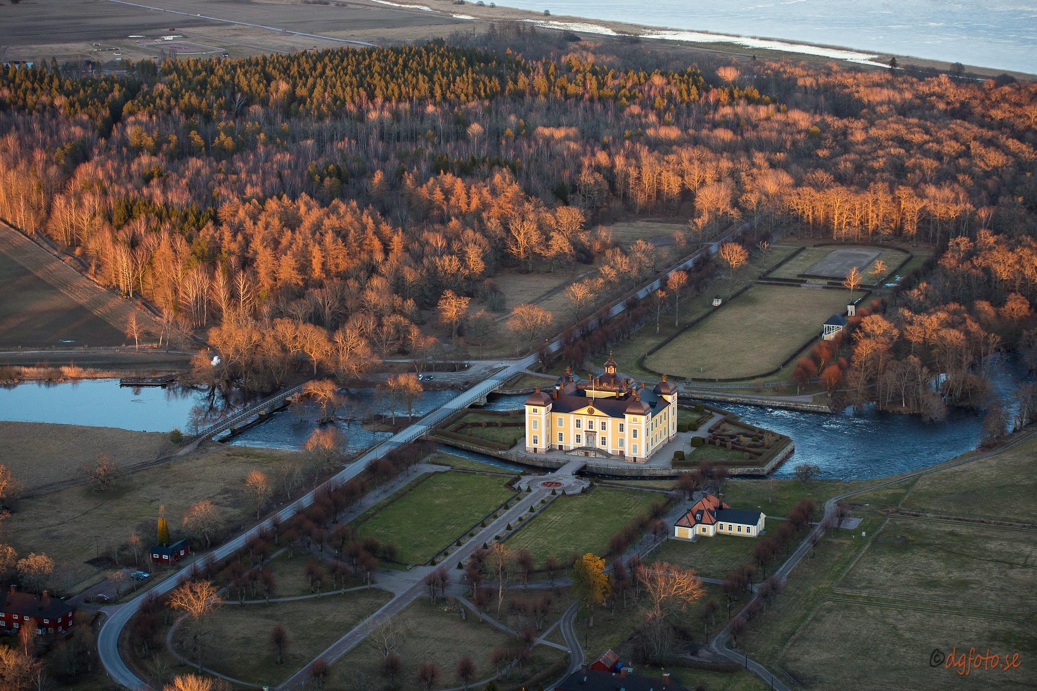 Strömsholms Castle by Dennis Graversen