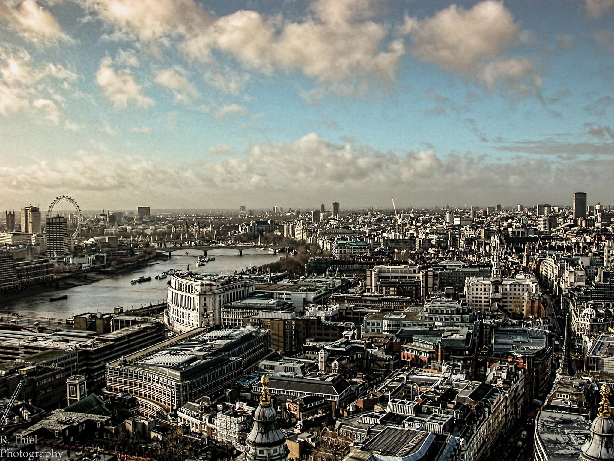 Greater London by Richard Thiel Sartawsky