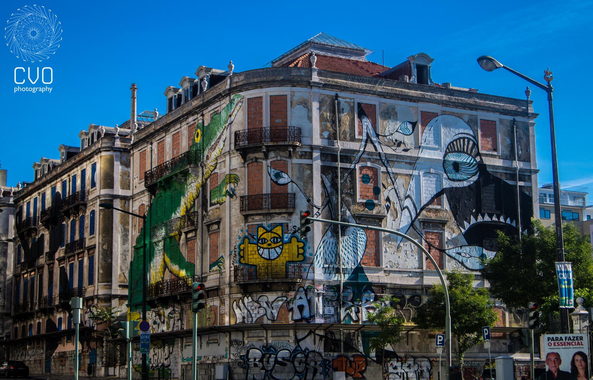 Building by Carlos Vargas