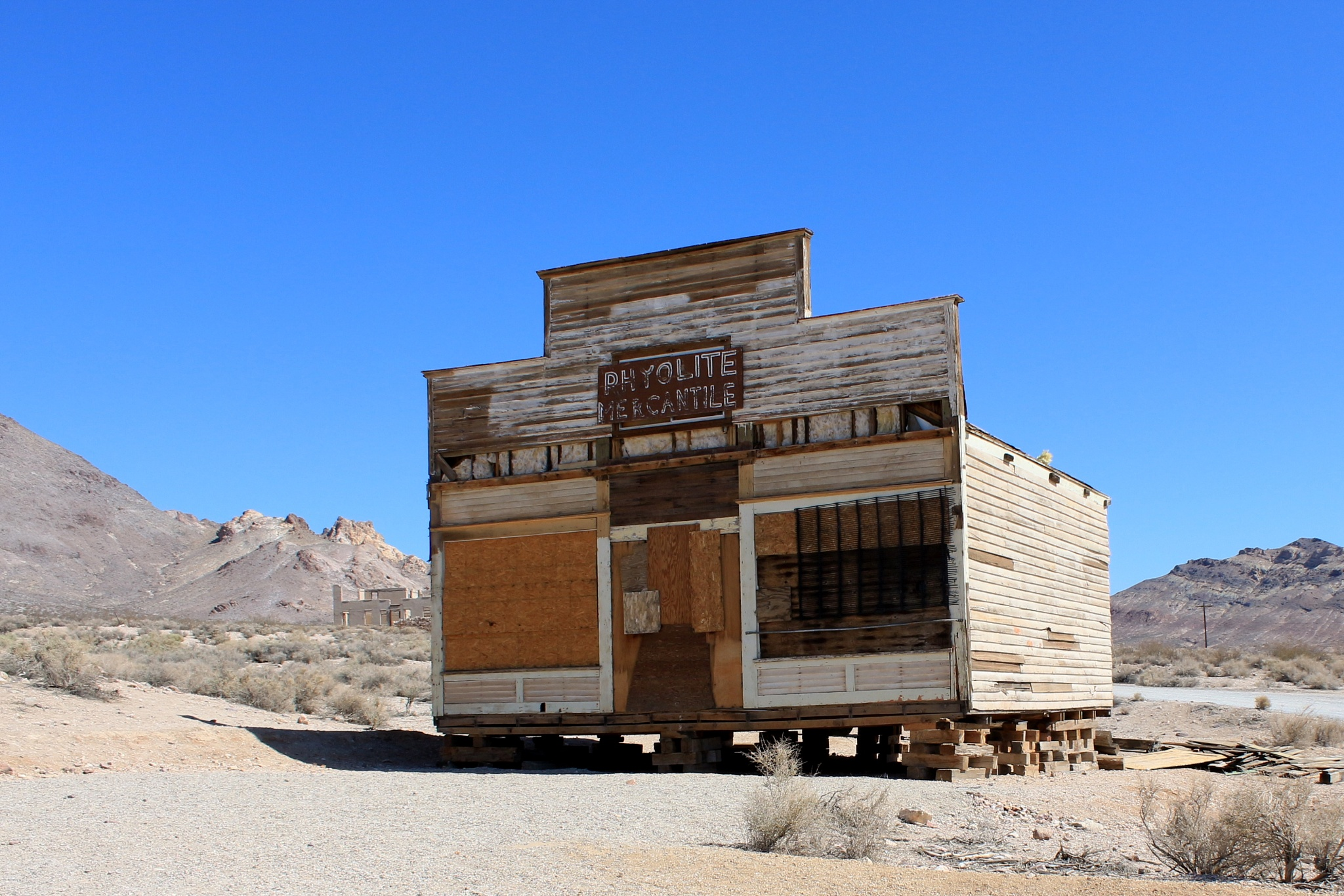Rhyolite Mercantile, Nevada. by katze