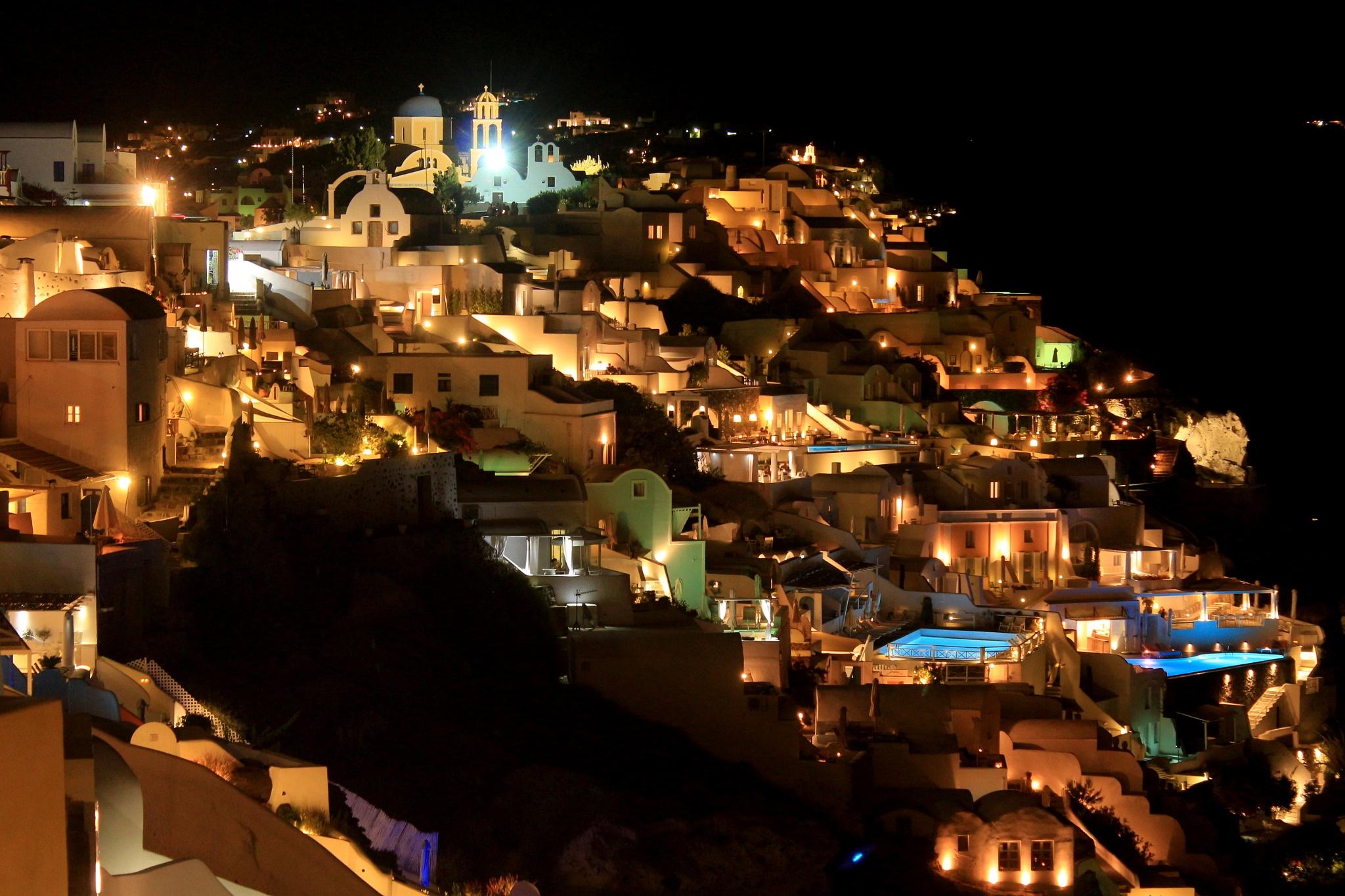 Oia by night, Santorini by katze