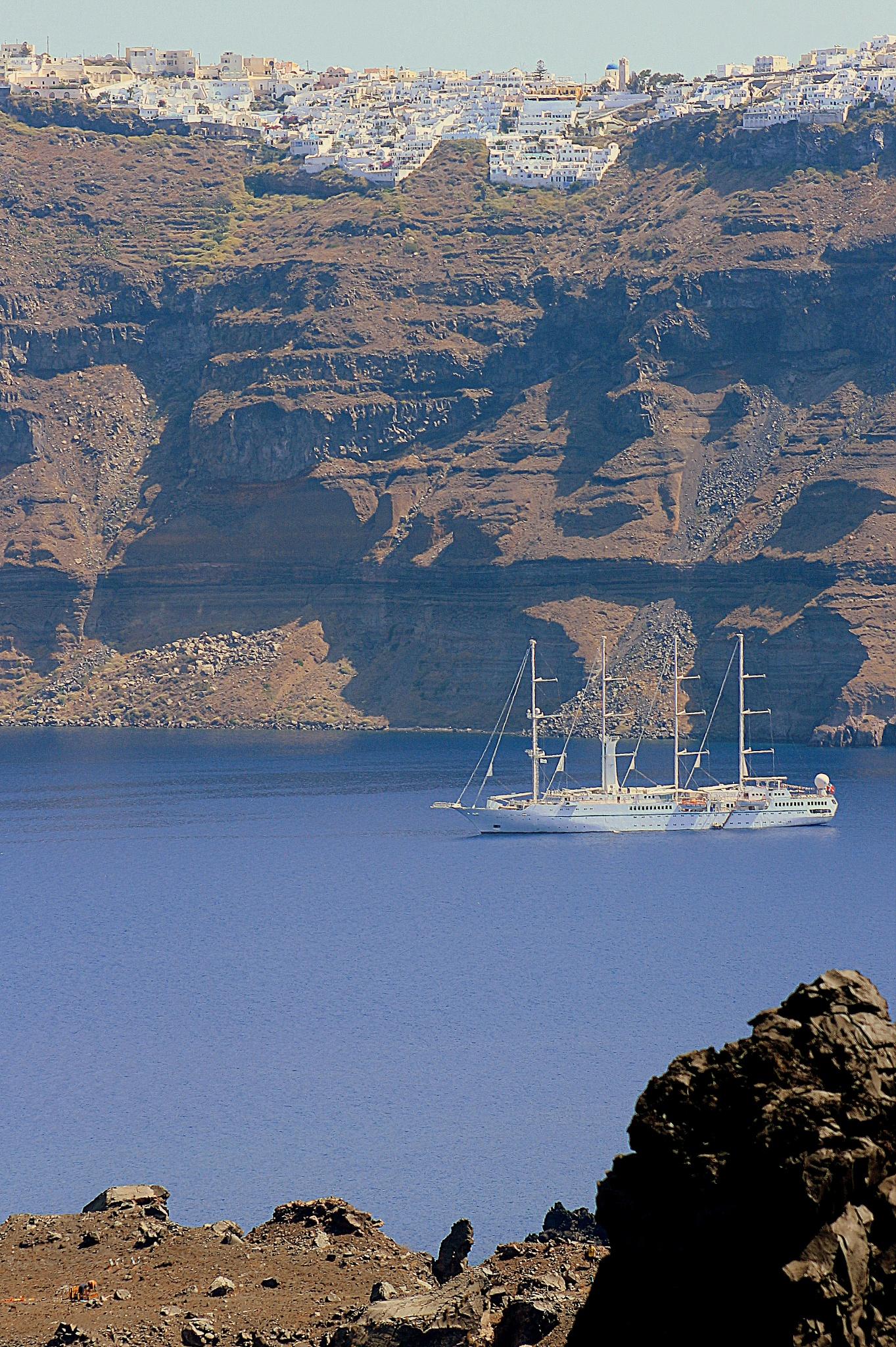 boat, Santorini by katze