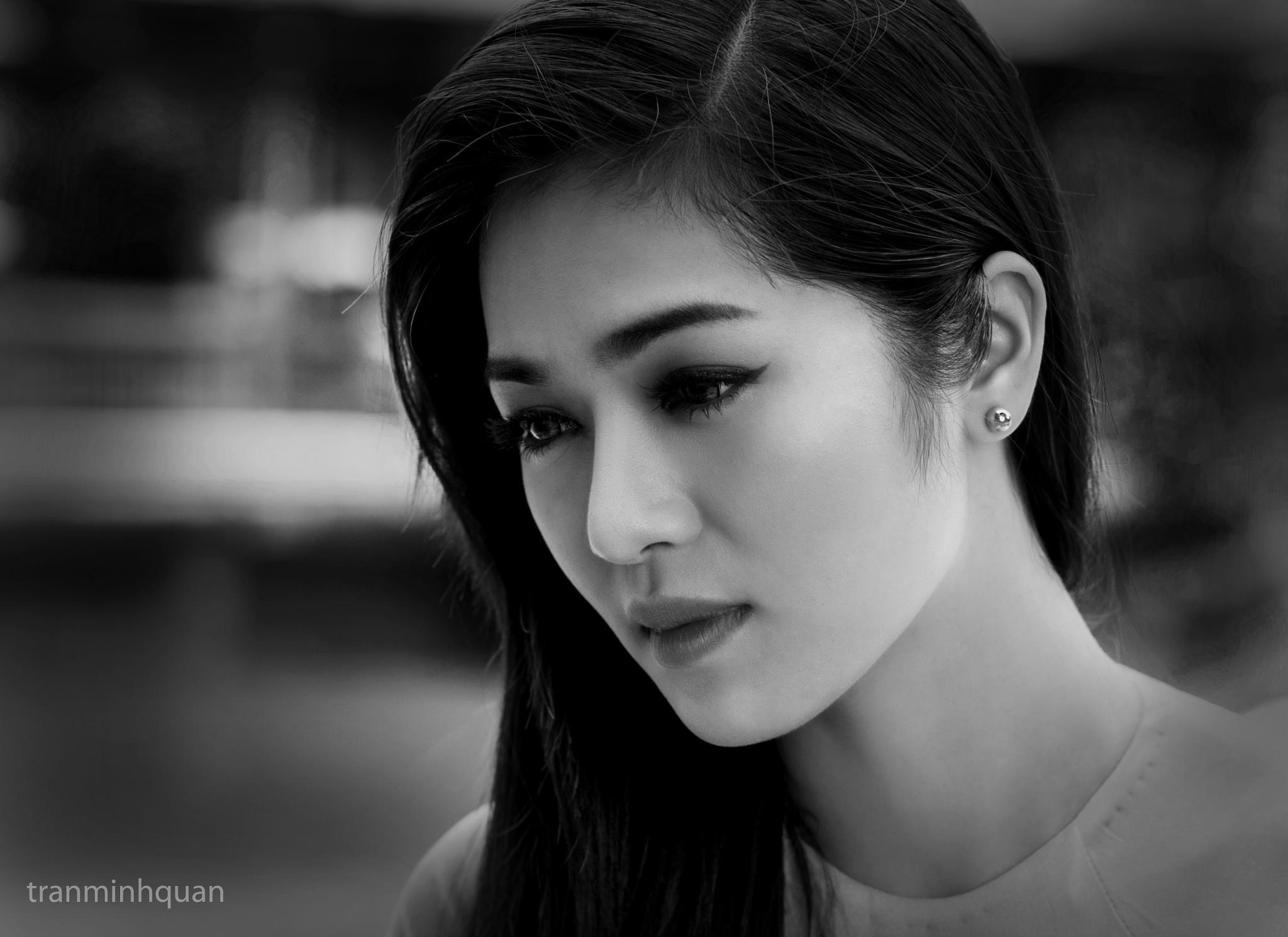 portrait sad by Tran Minh Quan