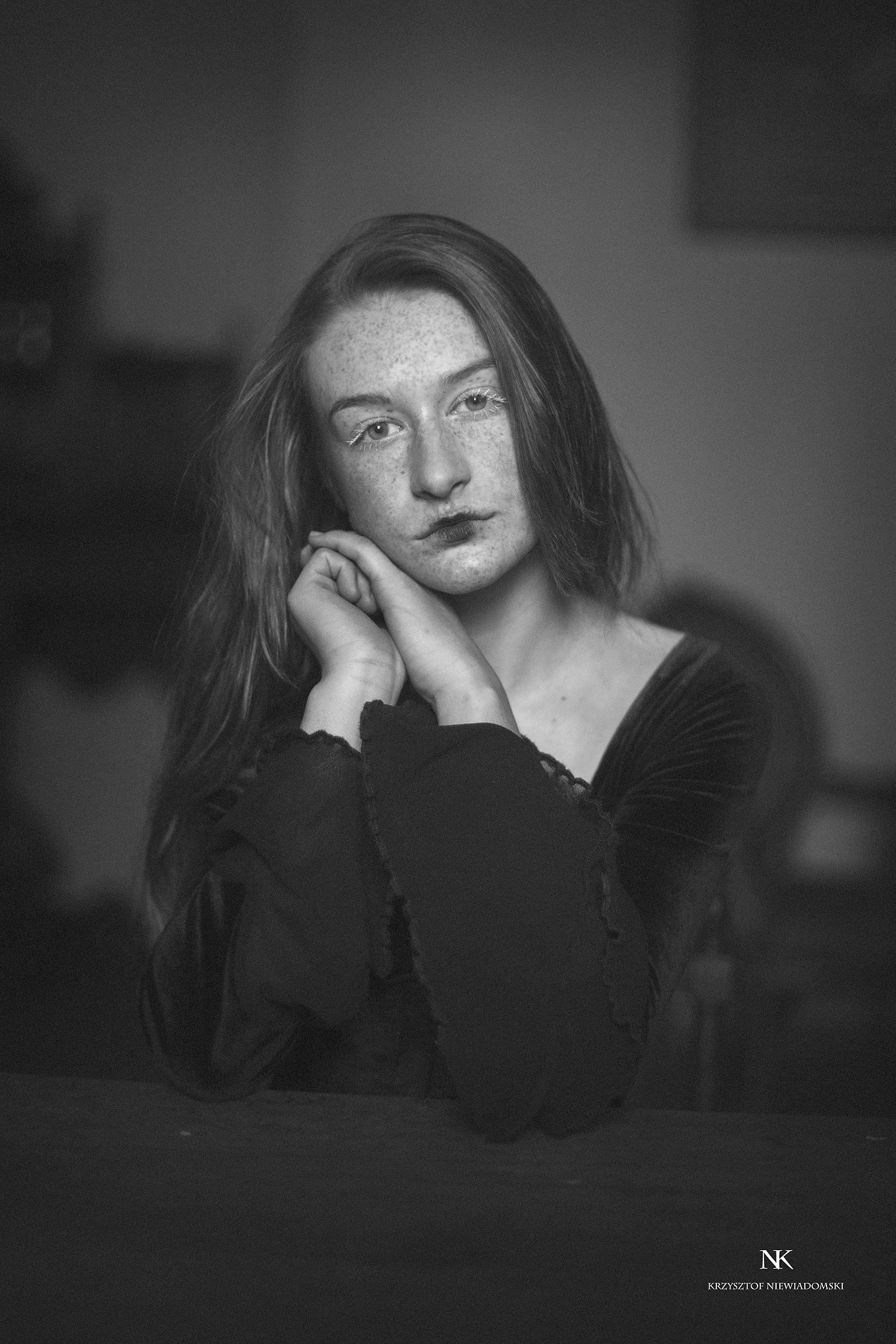 Amelia by Krzysztof Niewiadomski
