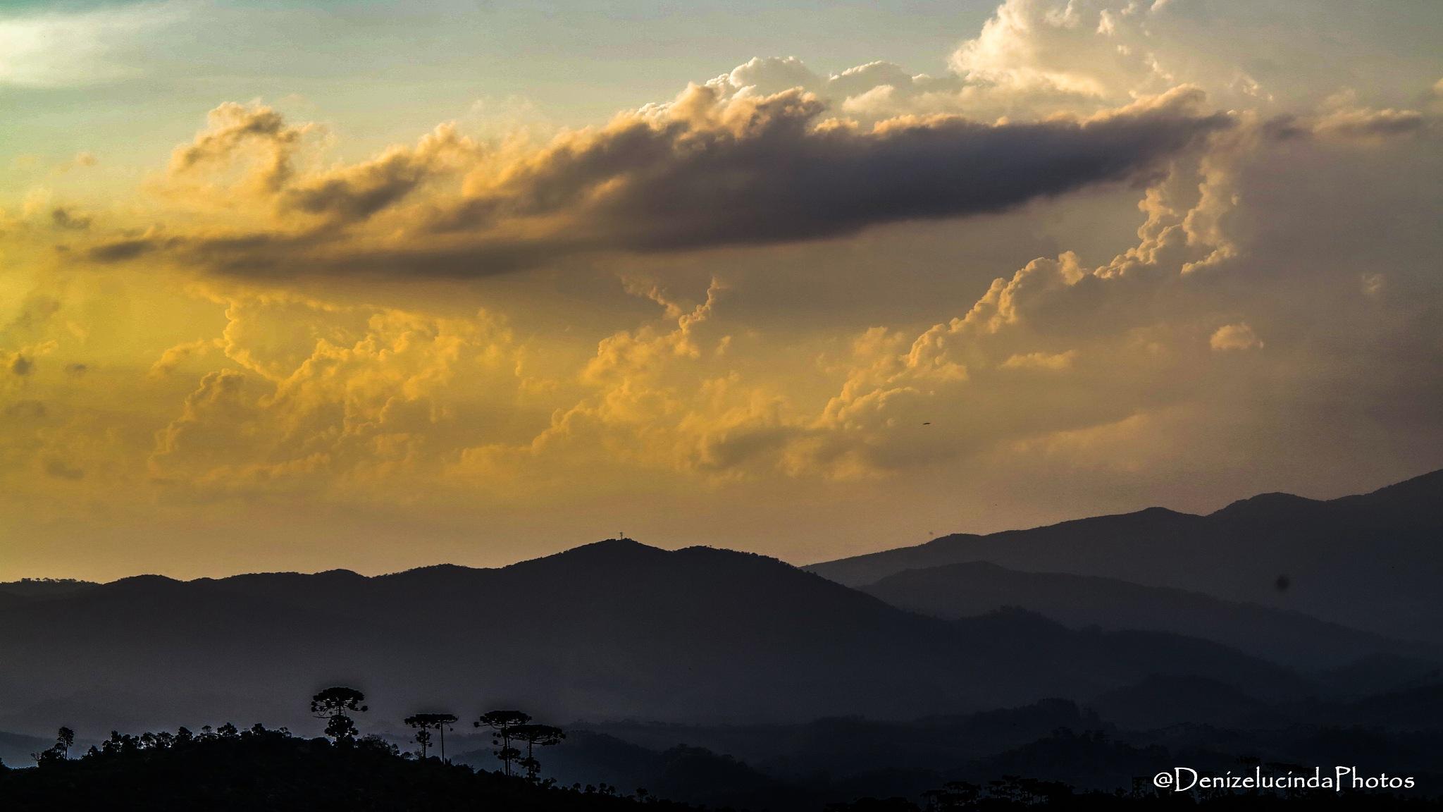 Sunset - Santo Antônio do Pinhal - SP - Brasil by denizelucinda