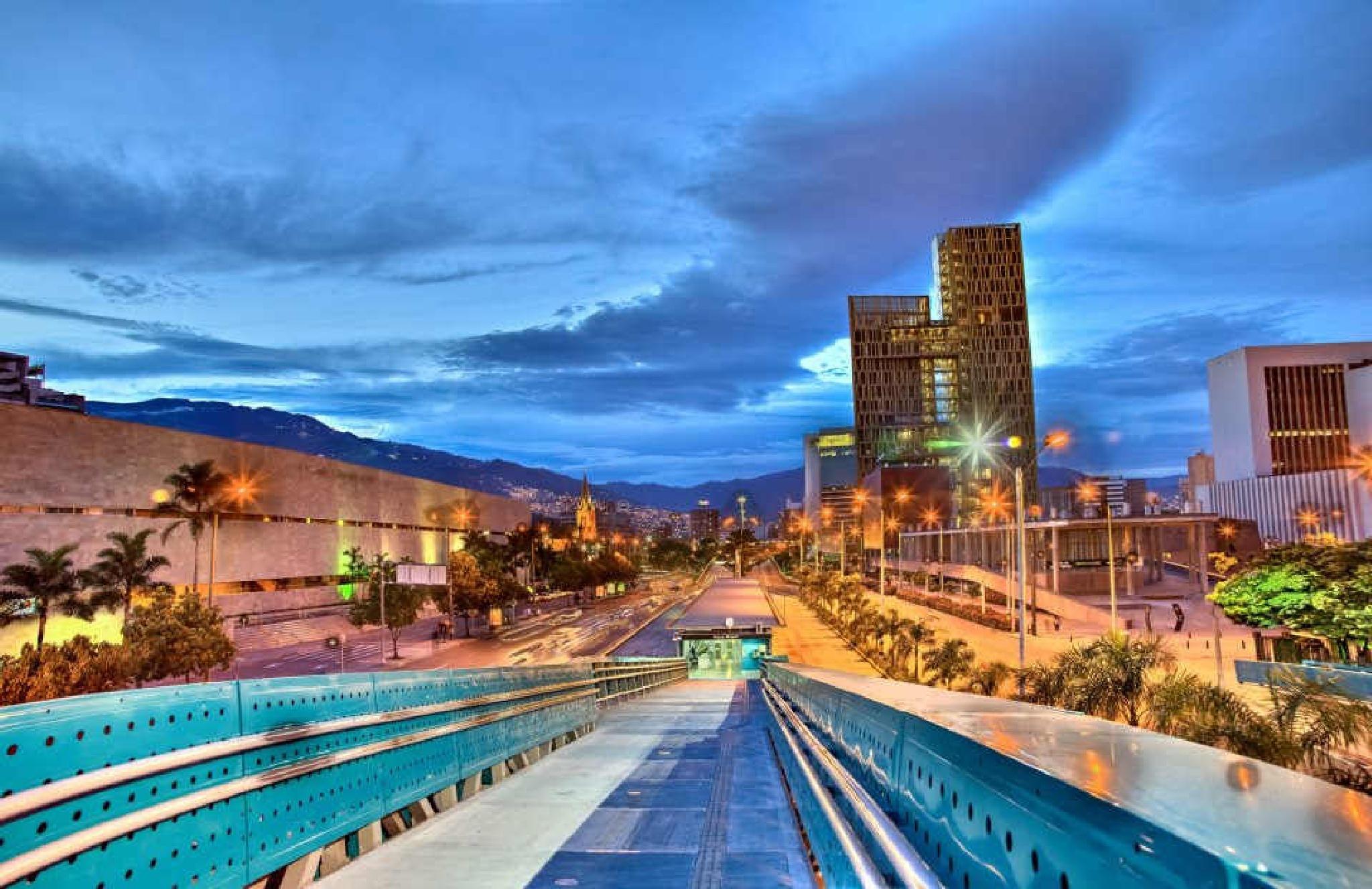 Medellin /Colombia  by LUIS FELIPE RENDON PEREZ
