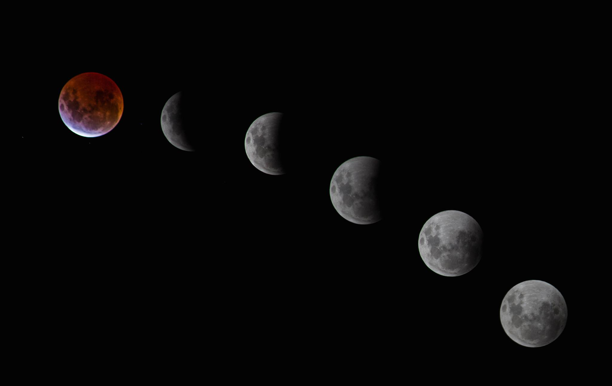 Blood moon by Lisa.I