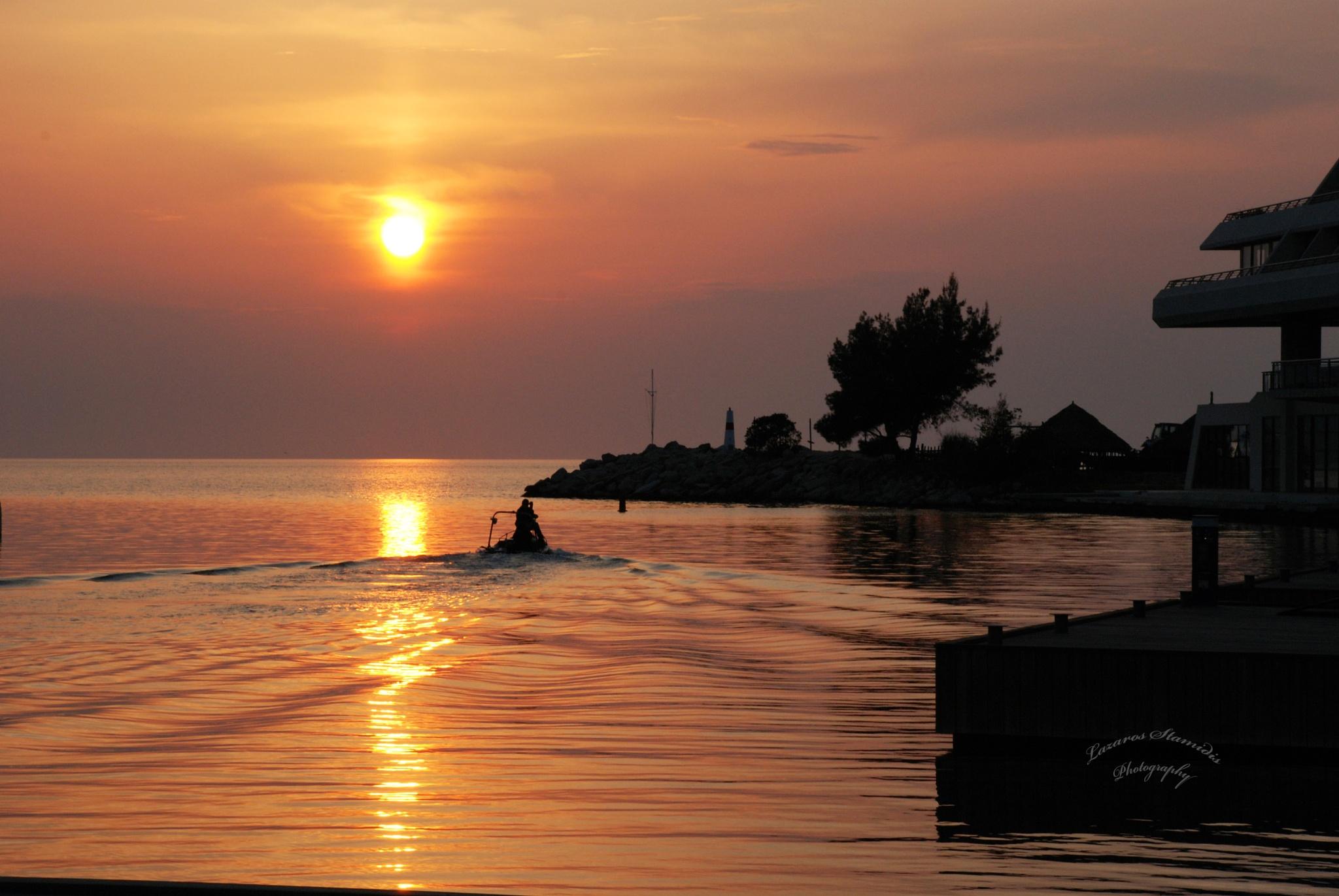 Boating... by lazarosstamidis