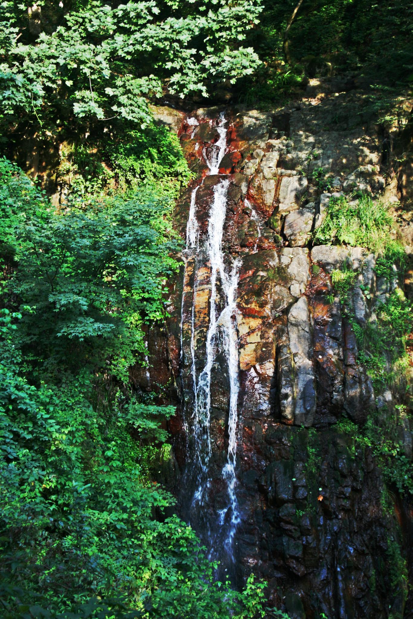 Waterfall by masoud.niyaei